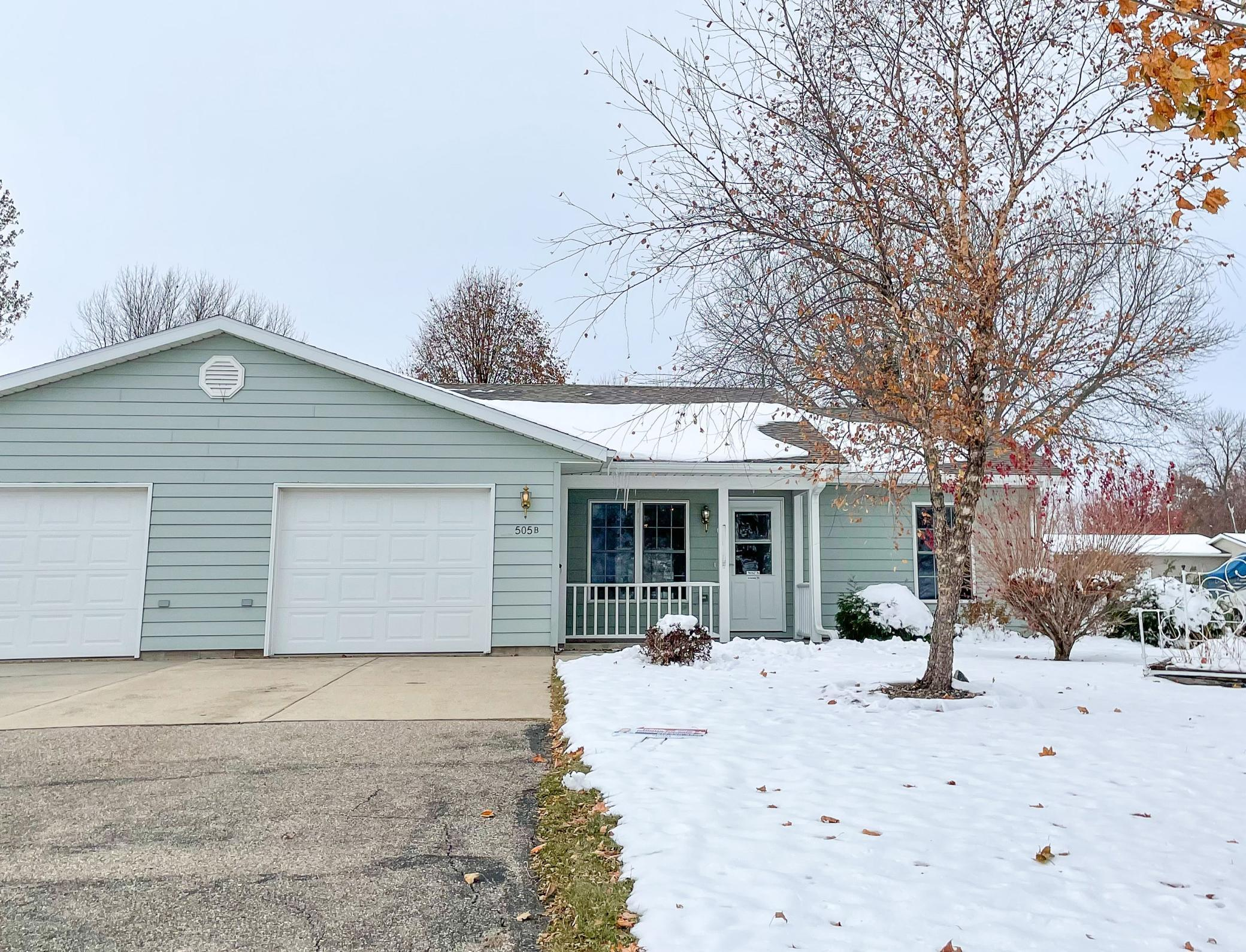 505 Hayes Avenue #B Property Photo - Brandon, MN real estate listing