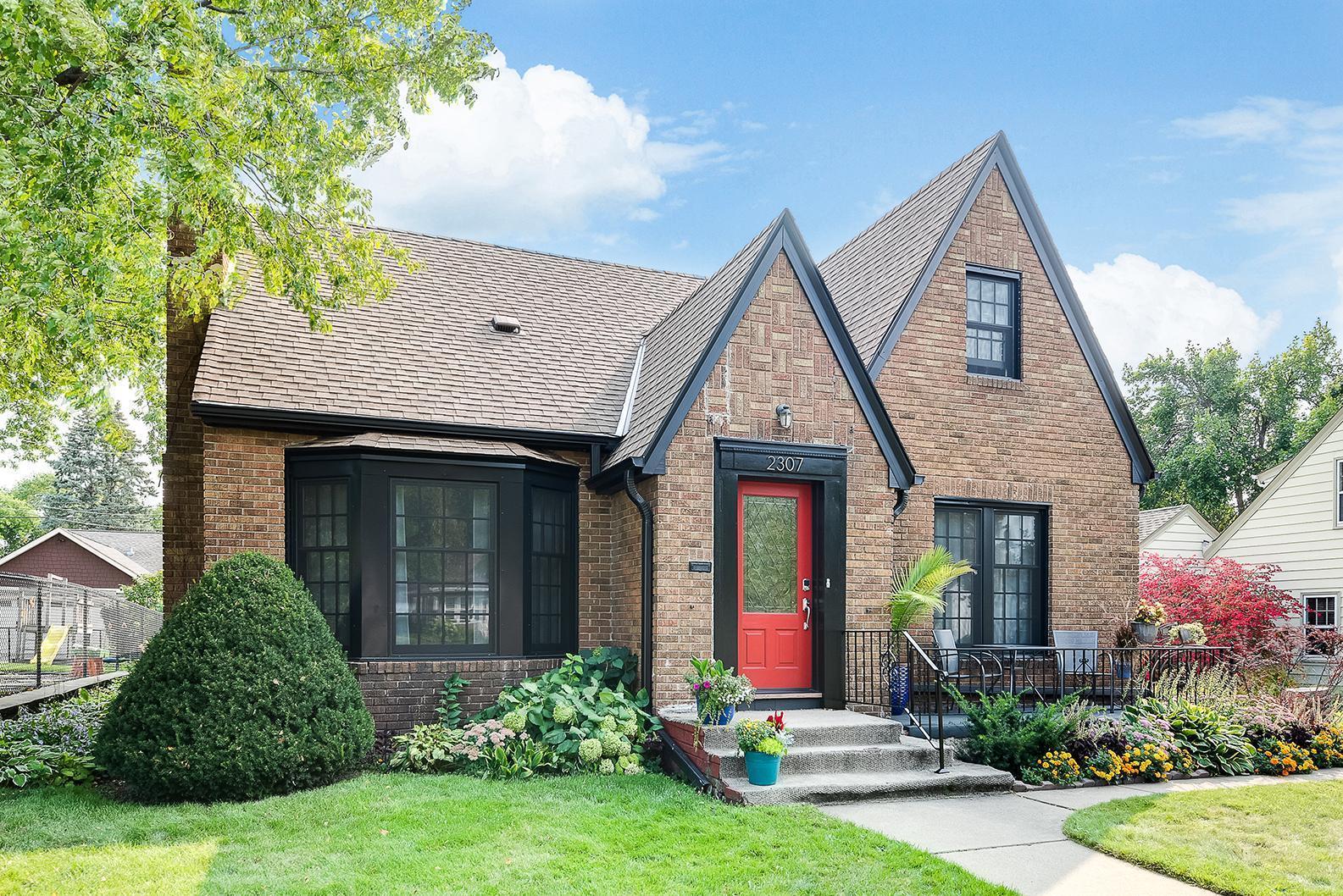 2307 Stinson Boulevard Property Photo - Minneapolis, MN real estate listing