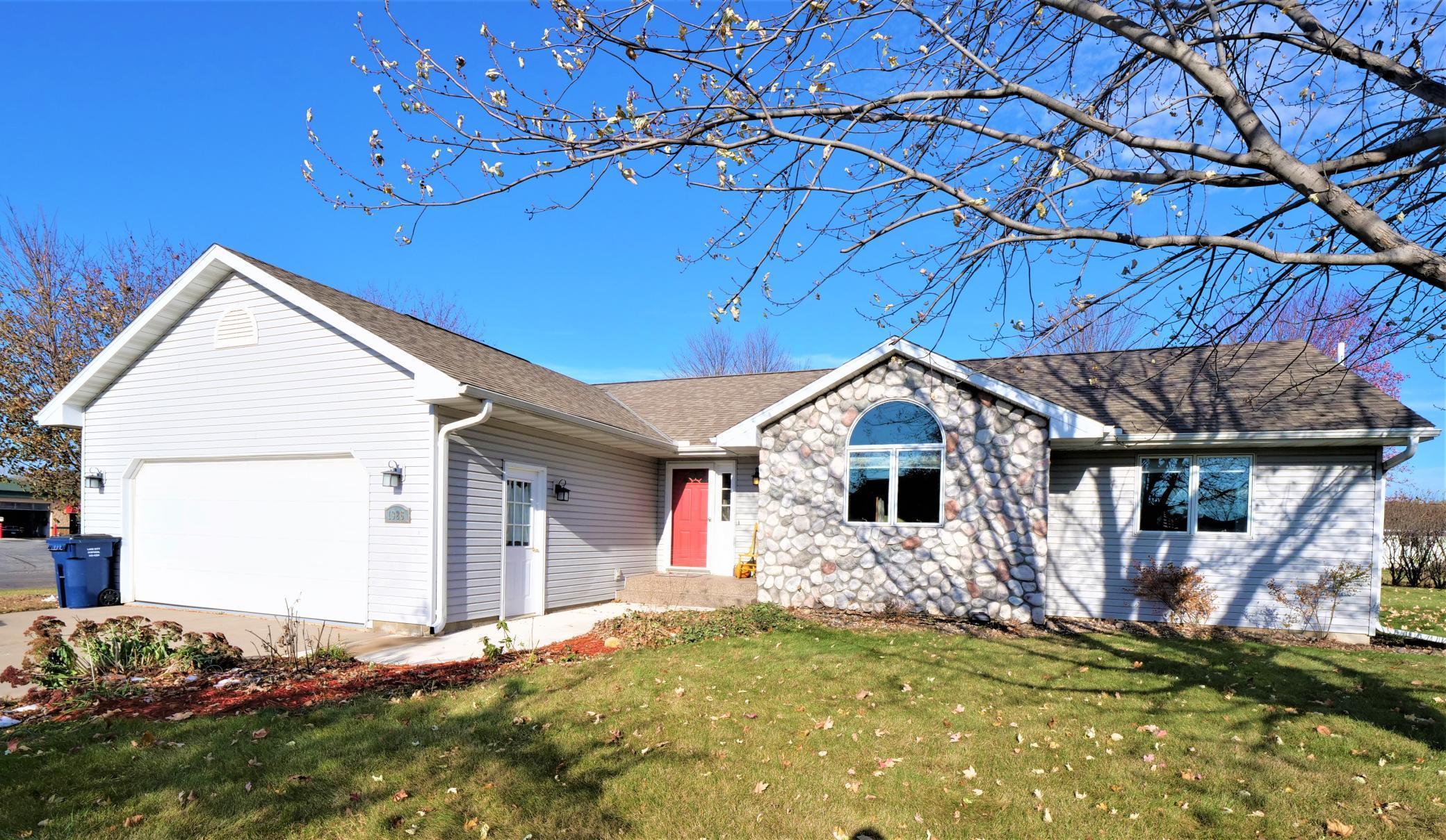 1326 N Garden Street Property Photo - Lake City, MN real estate listing
