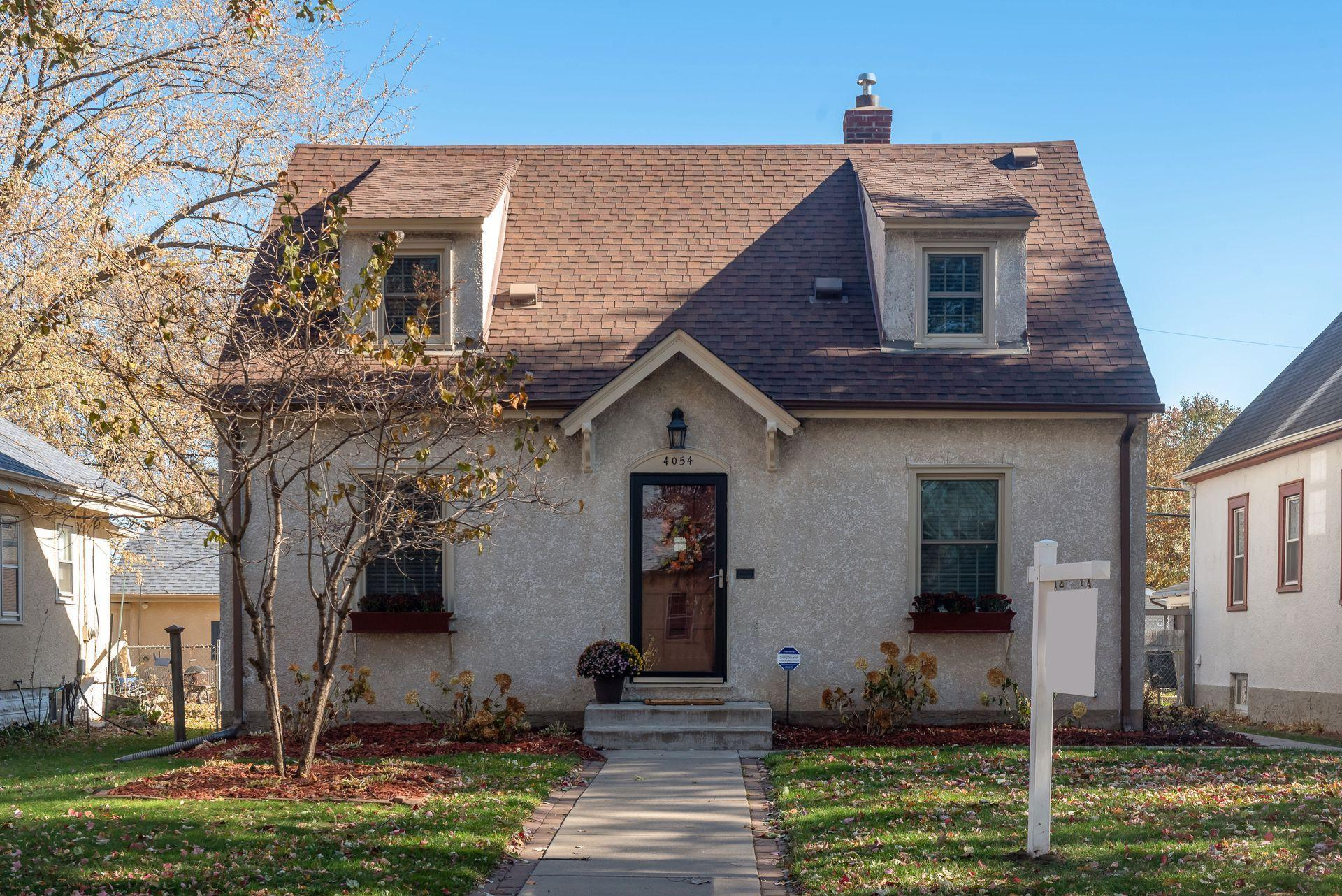 4054 Queen Avenue N Property Photo - Minneapolis, MN real estate listing