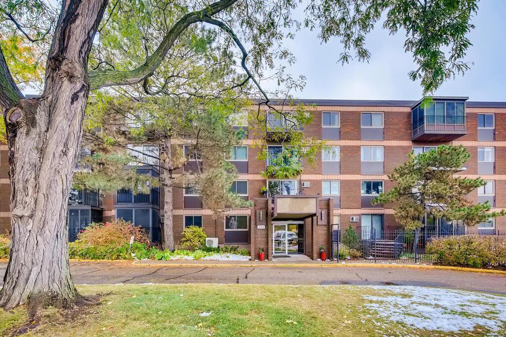 Apt Own No32 Riverridge Real Estate Listings Main Image