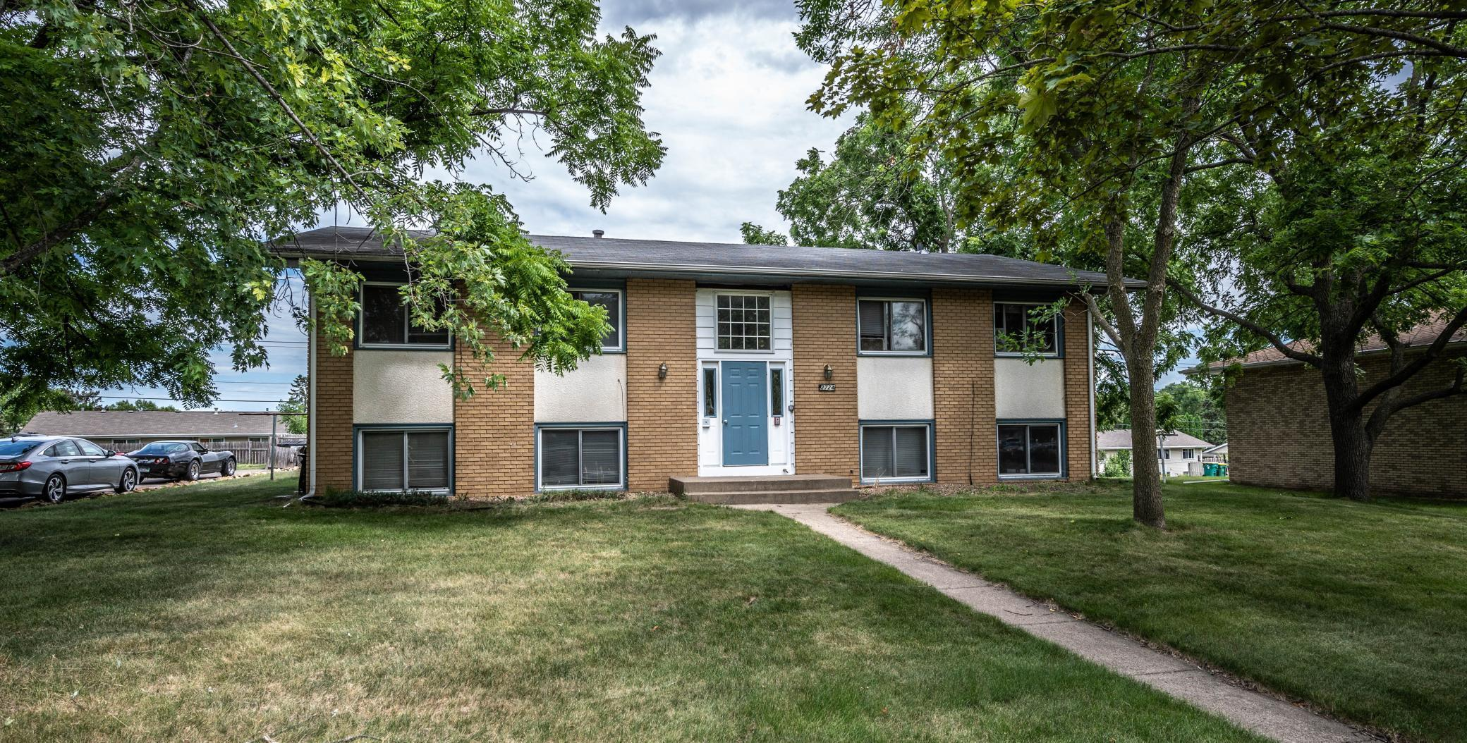 2724 Xylon Avenue N Property Photo - New Hope, MN real estate listing