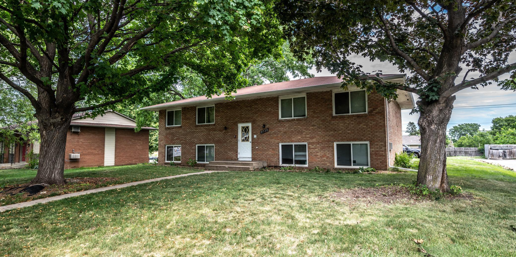 2732 Xylon Avenue N Property Photo - New Hope, MN real estate listing