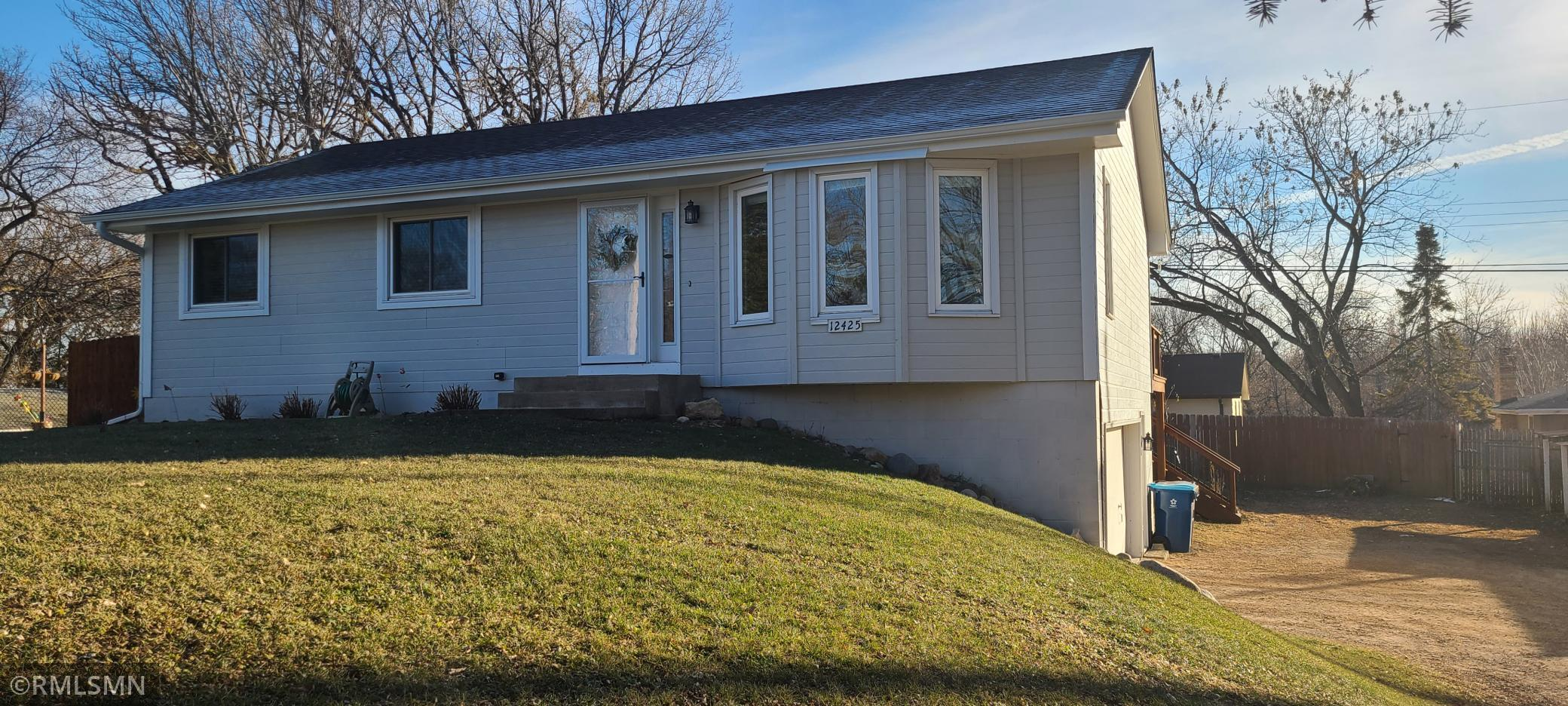 12425 26th Avenue N Property Photo - Plymouth, MN real estate listing