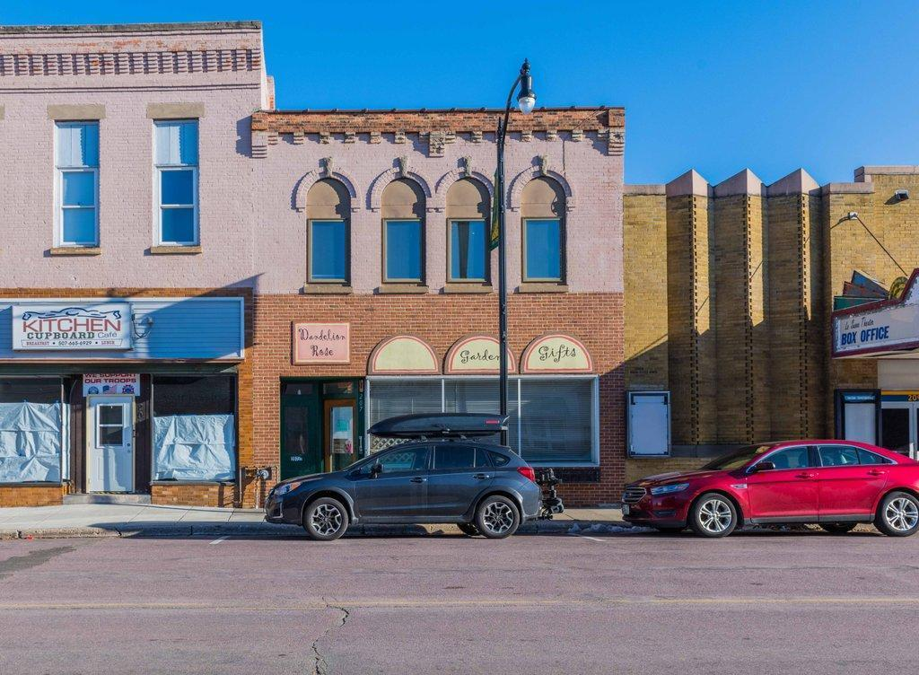 207 S Main Street Property Photo - Le Sueur, MN real estate listing