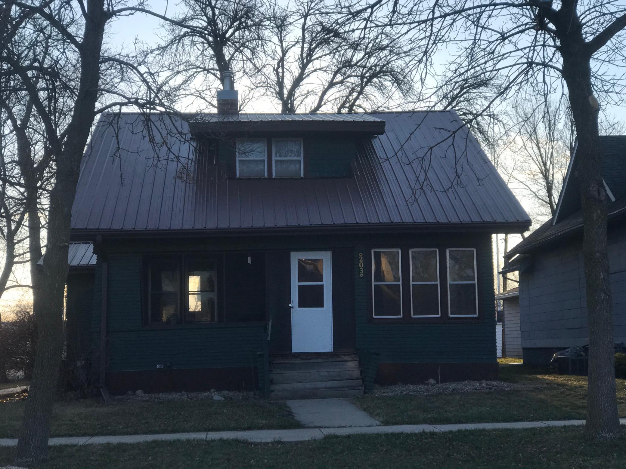 203 4th Avenue SE Property Photo - Pipestone, MN real estate listing