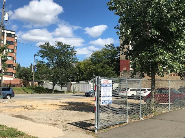106 E Lake Street Property Photo