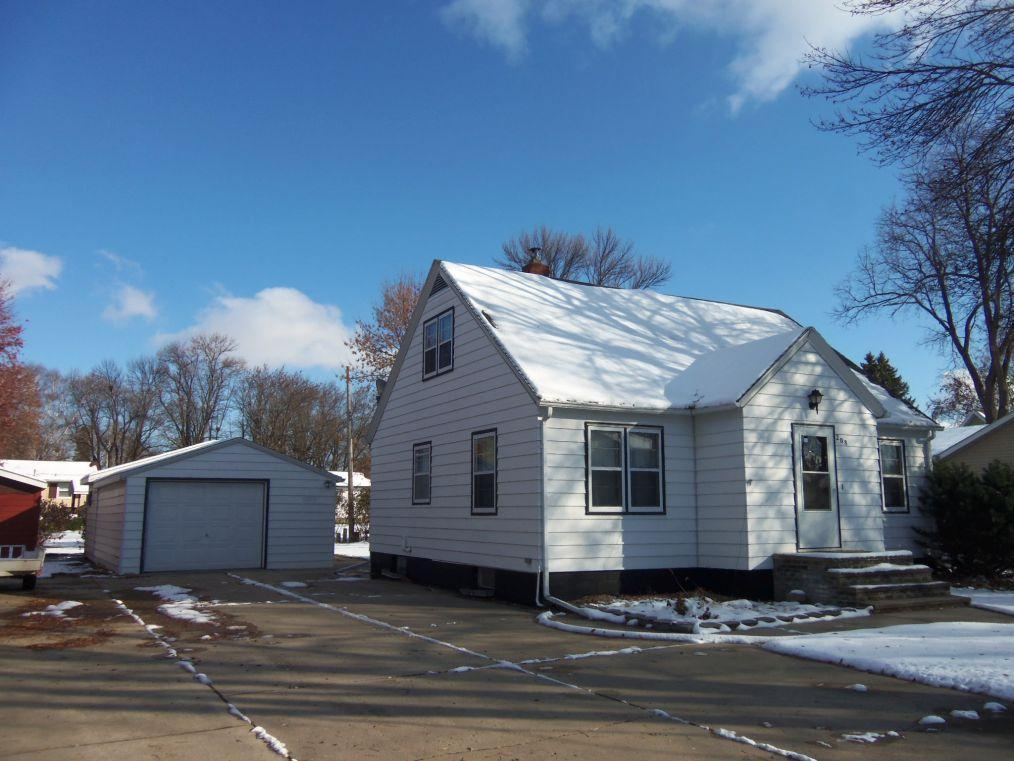 208 Meadow Lane Property Photo - Benson, MN real estate listing