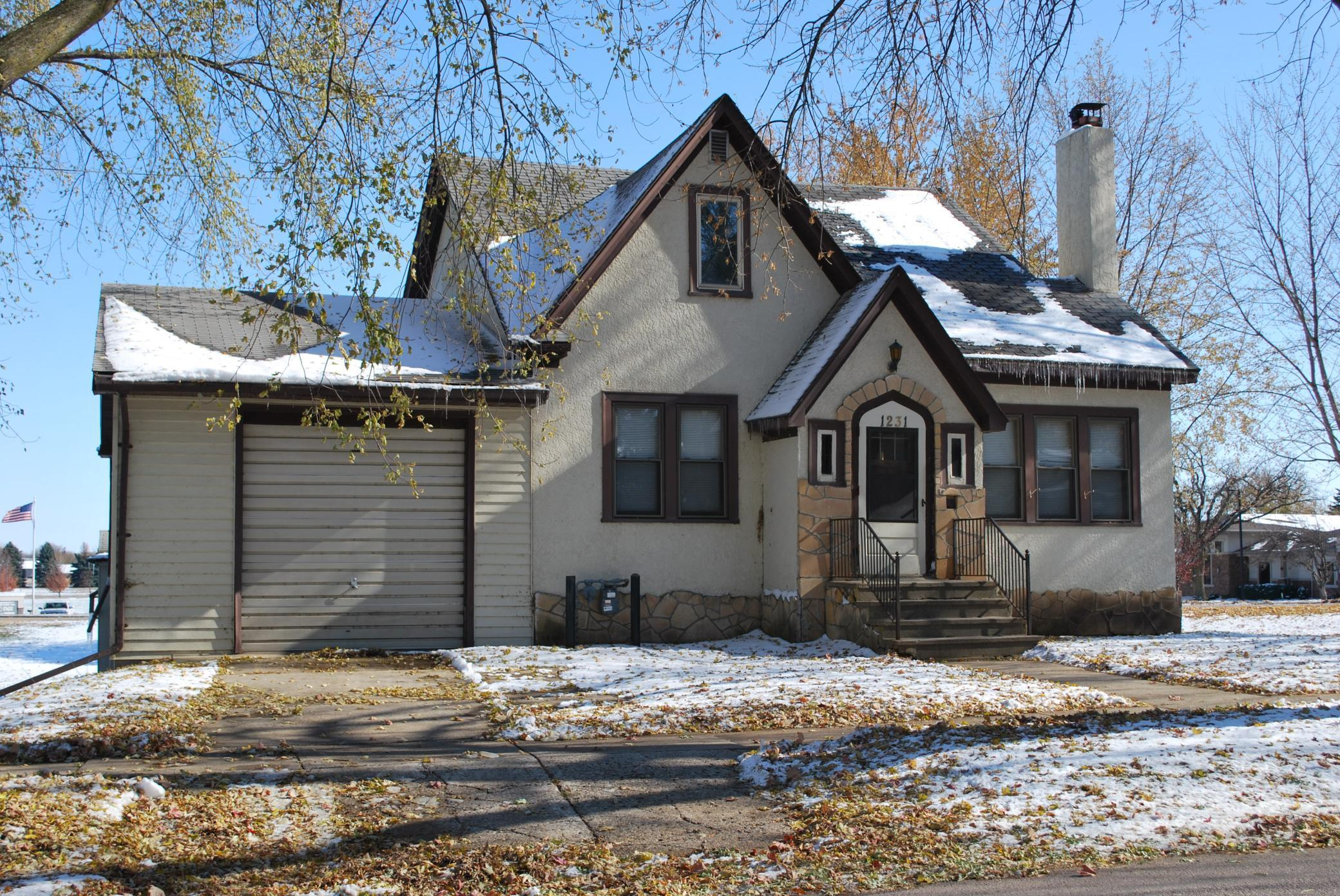 1231 Albion Avenue Property Photo - Fairmont, MN real estate listing