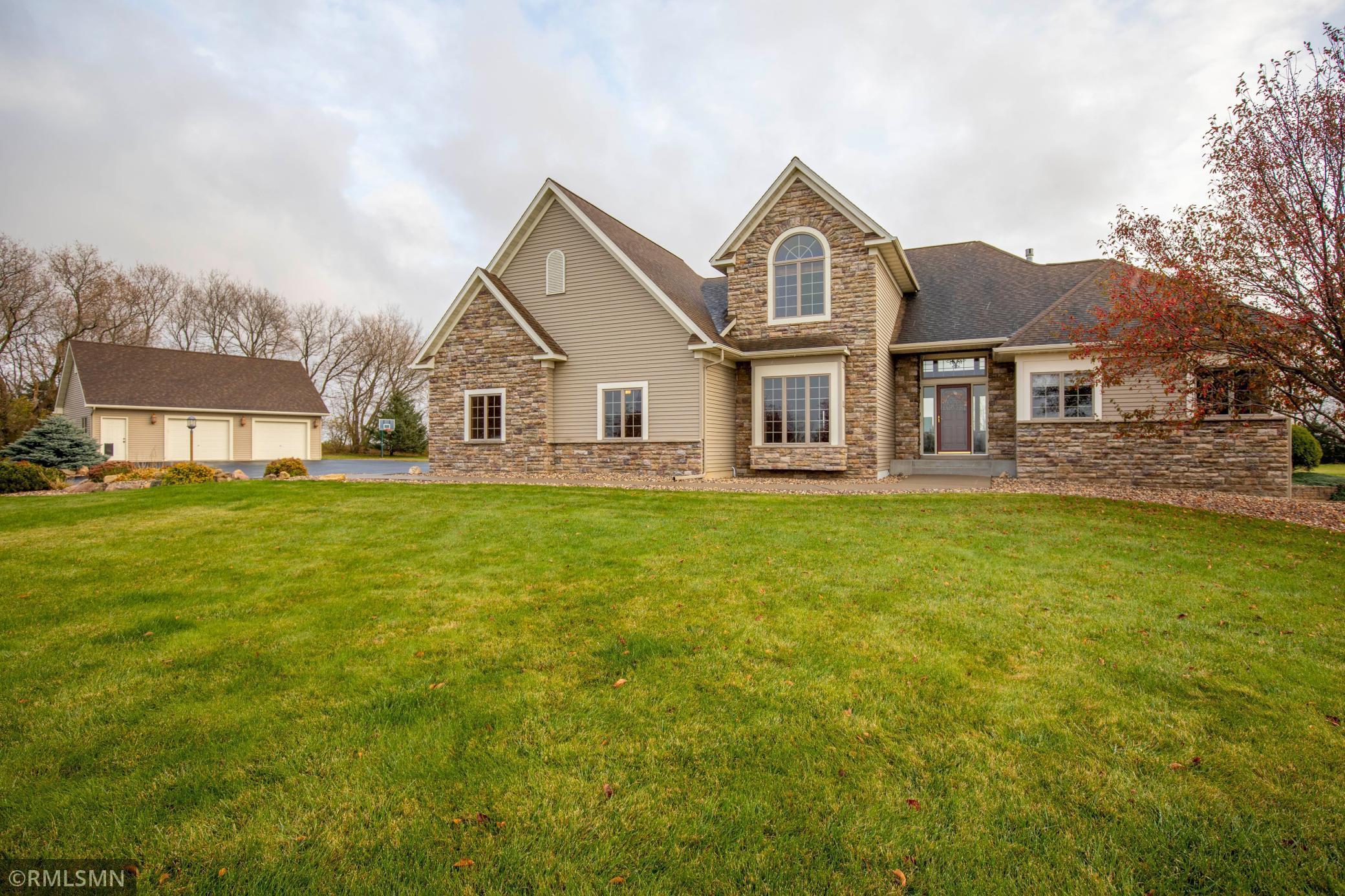 1347 140th Avenue Property Photo - New Richmond, WI real estate listing