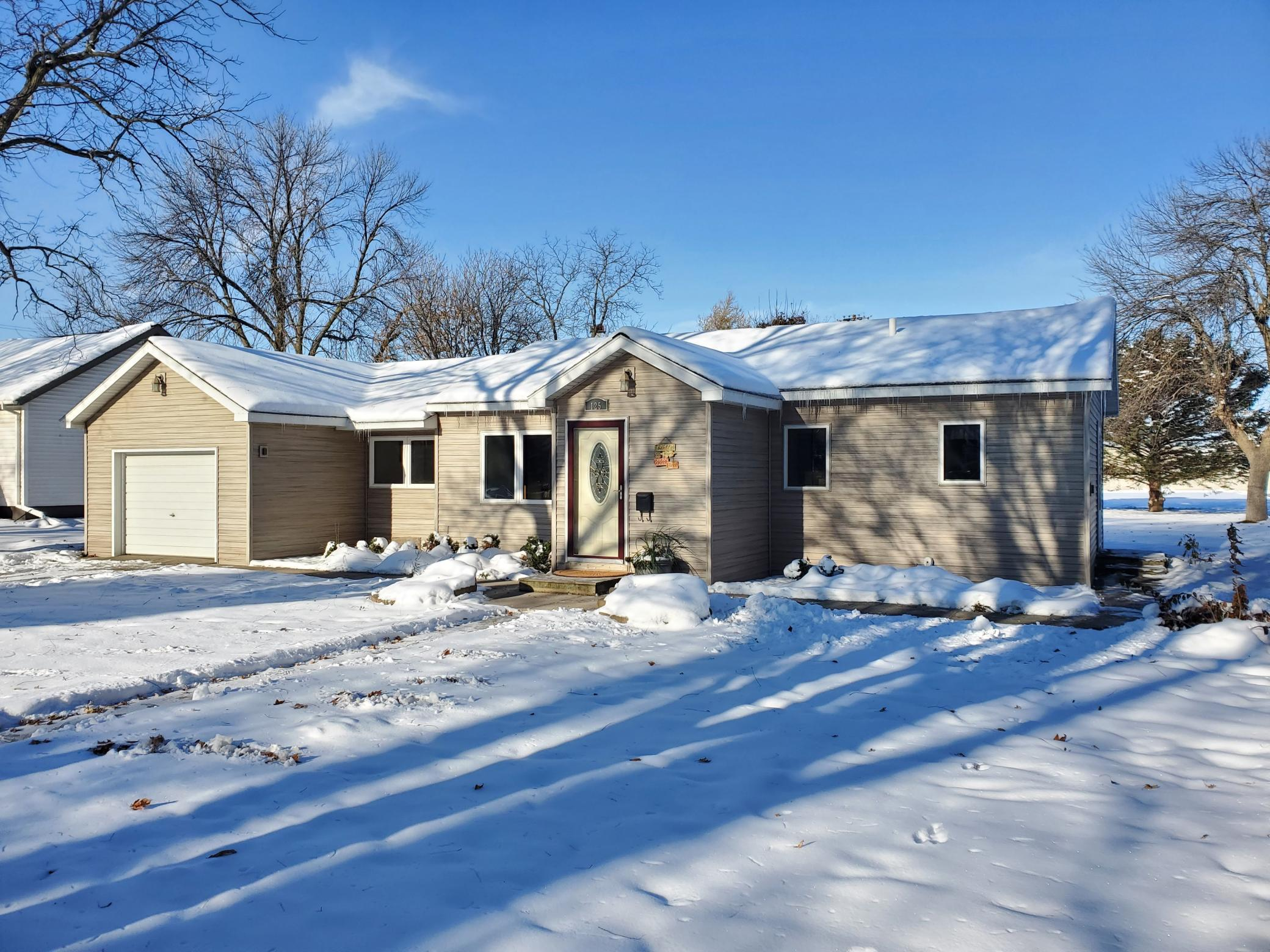 125 10th Street Property Photo - Tracy, MN real estate listing