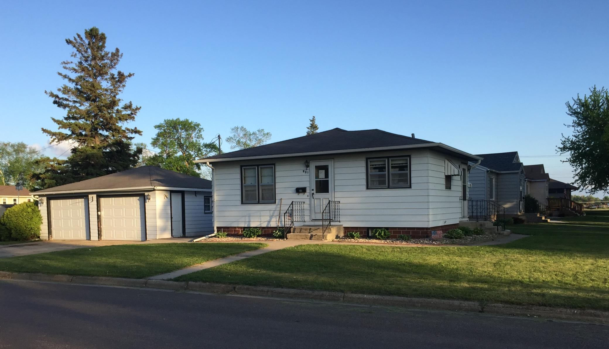901 16th Street S Property Photo - Benson, MN real estate listing