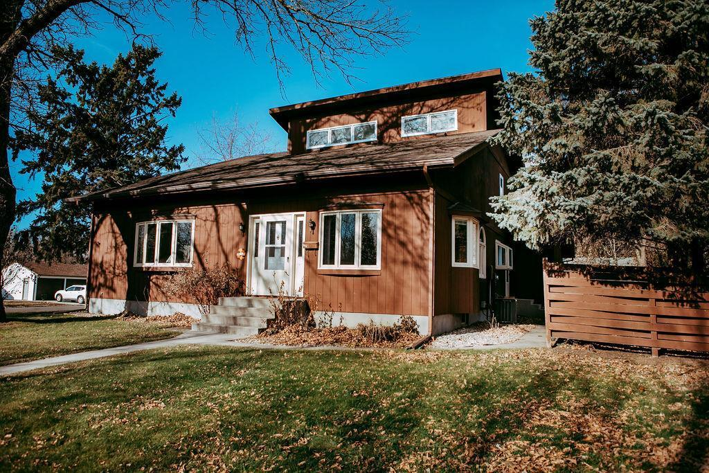 301 E 1st Street Property Photo - Morris, MN real estate listing