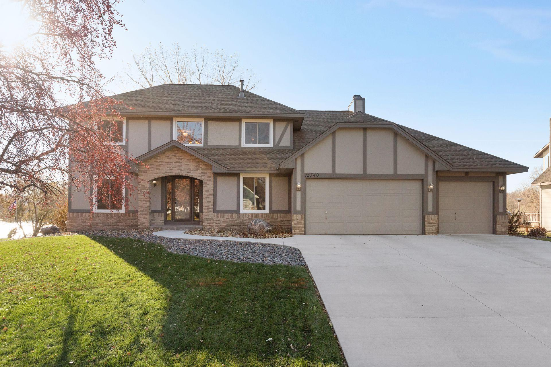 15740 Highview Drive Property Photo - Apple Valley, MN real estate listing