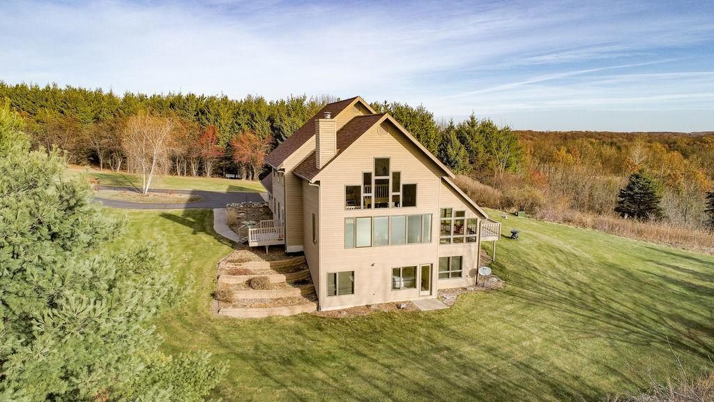 6775 Hillview Road Property Photo - Eau Claire, WI real estate listing
