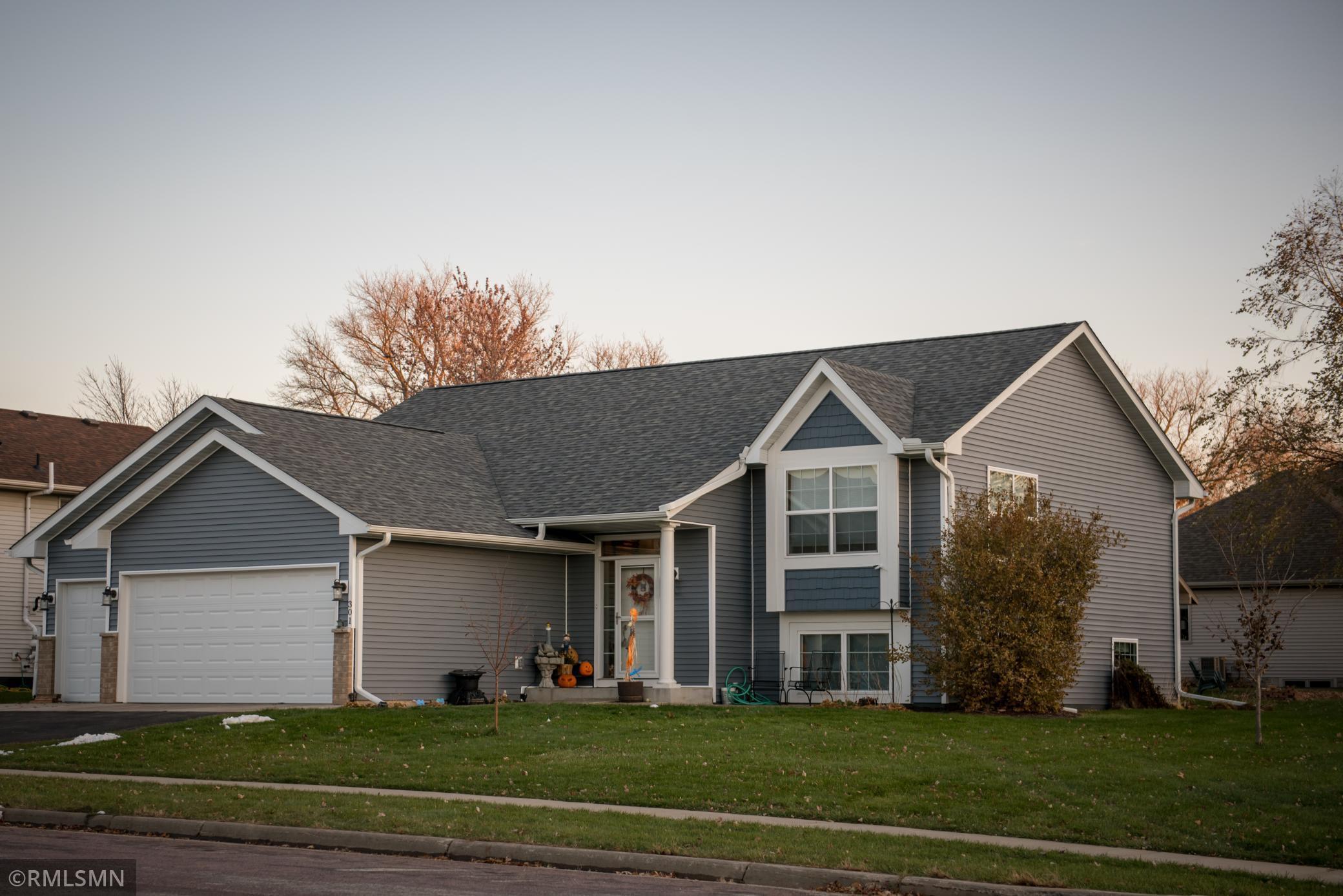 301 Sunshine Lane Property Photo