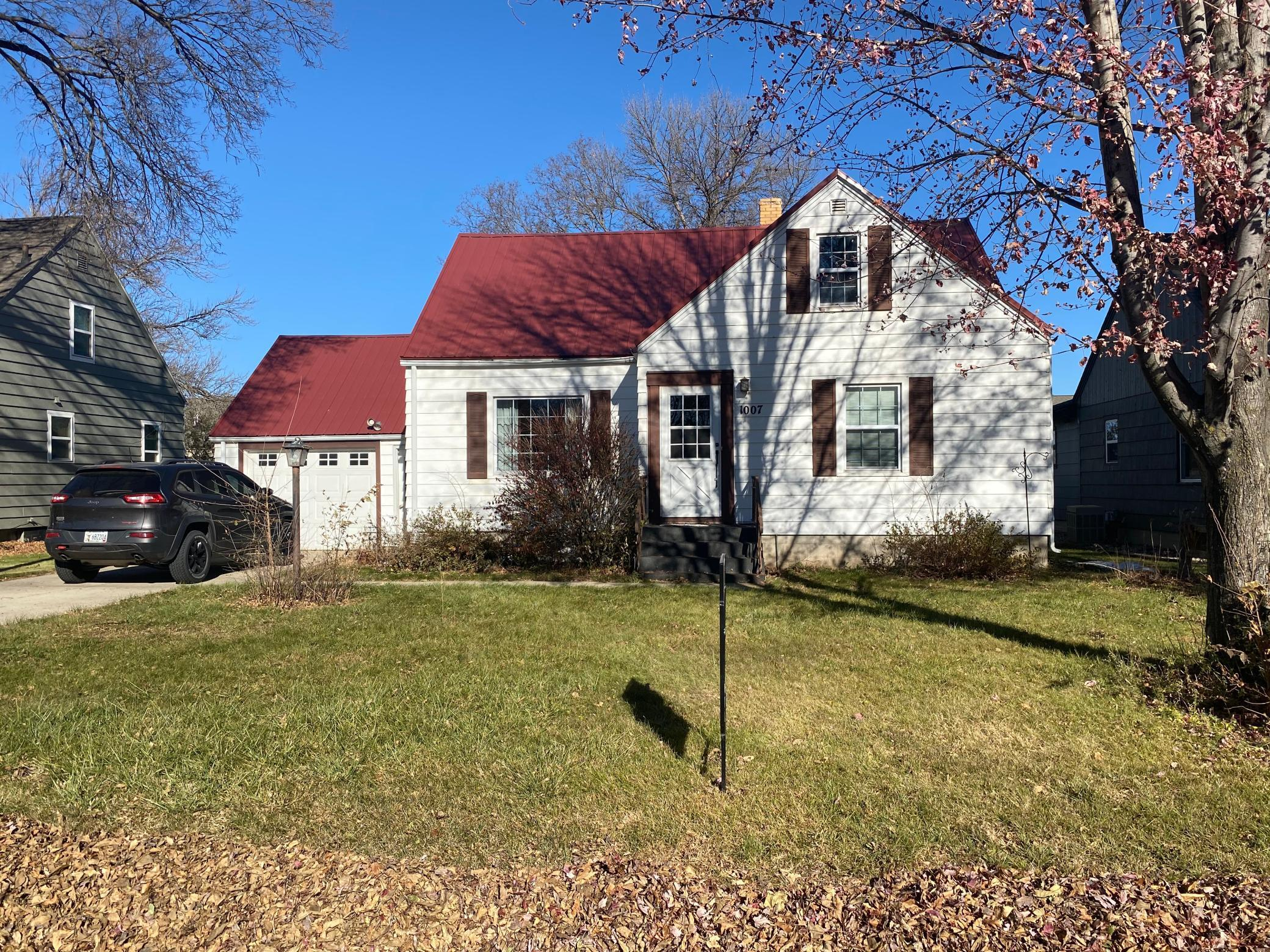 1007 E 2nd Street Property Photo - Redwood Falls, MN real estate listing