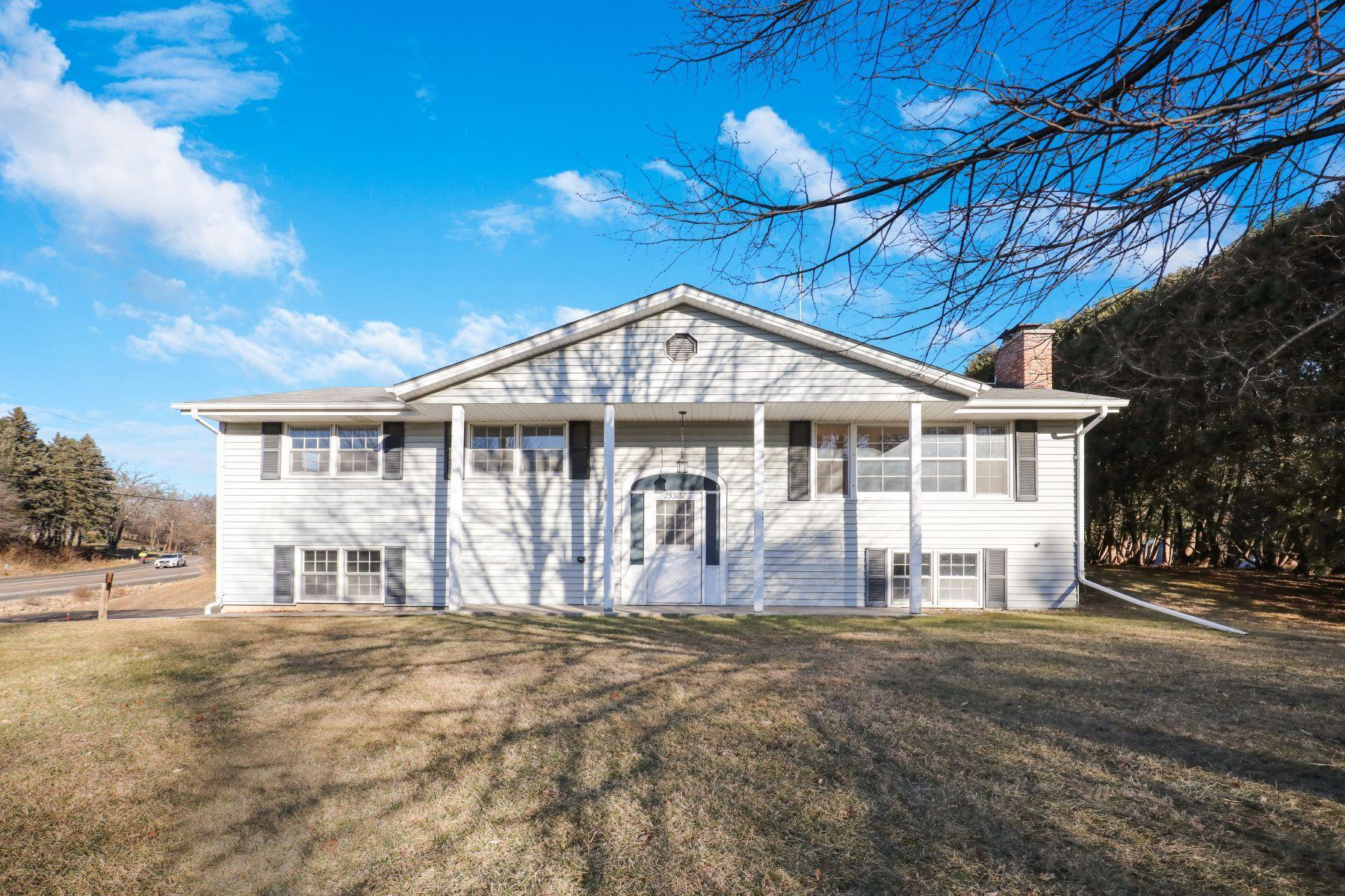 15501 Park Terrace Drive Property Photo - Eden Prairie, MN real estate listing