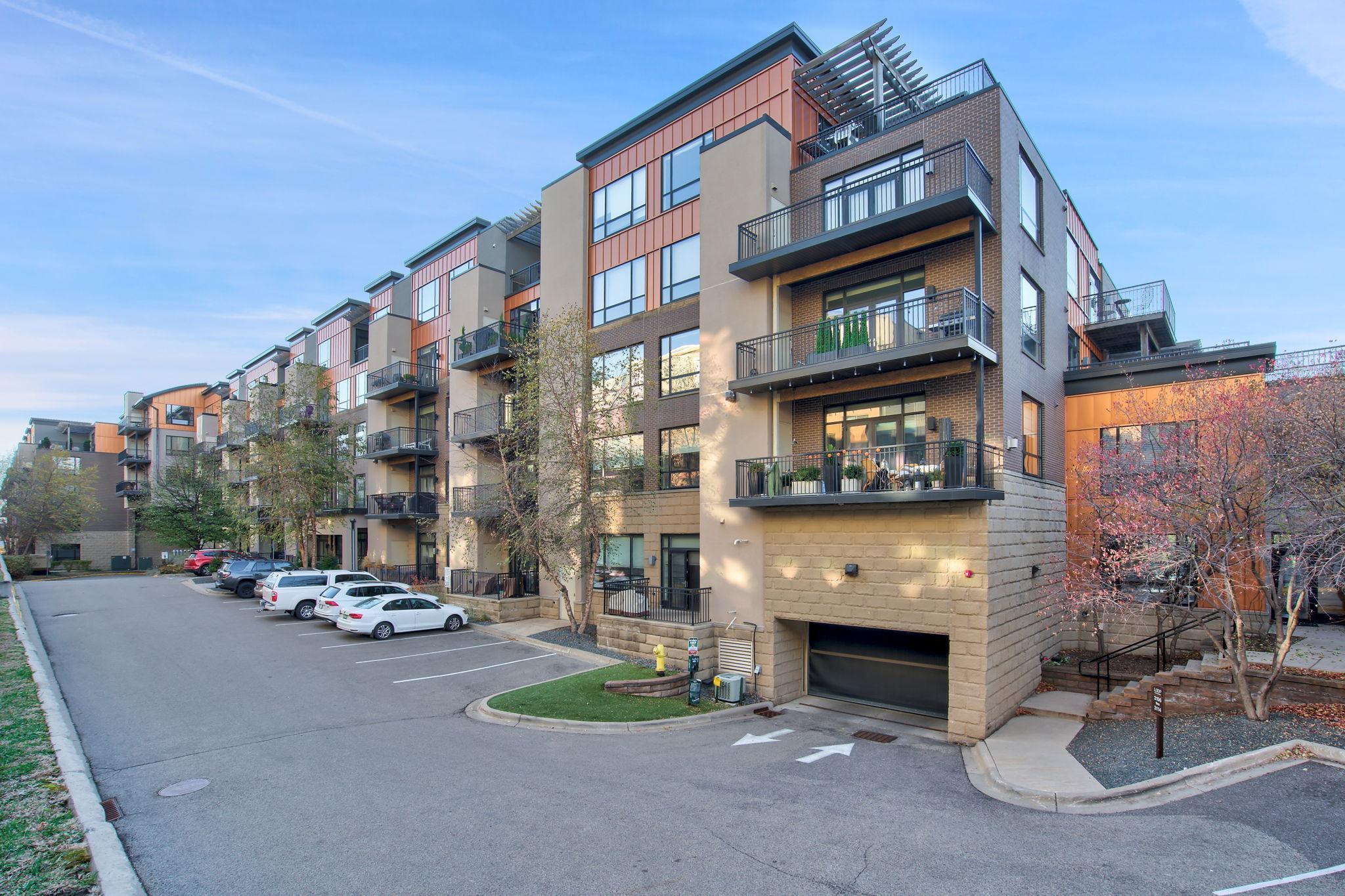 3116 W Lake Street #325 Property Photo