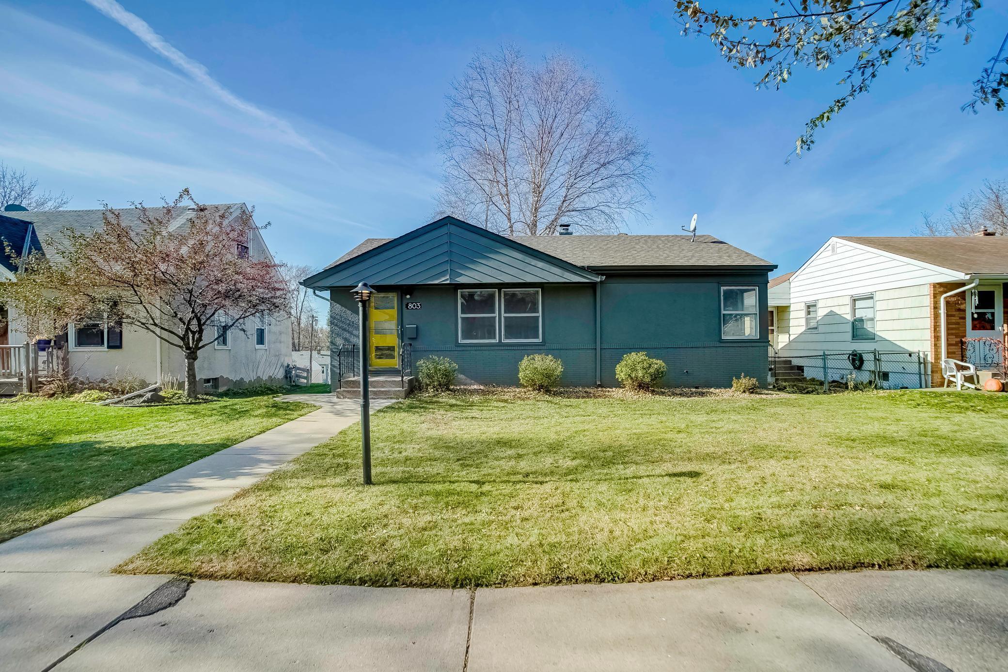 803 Lake Street Property Photo