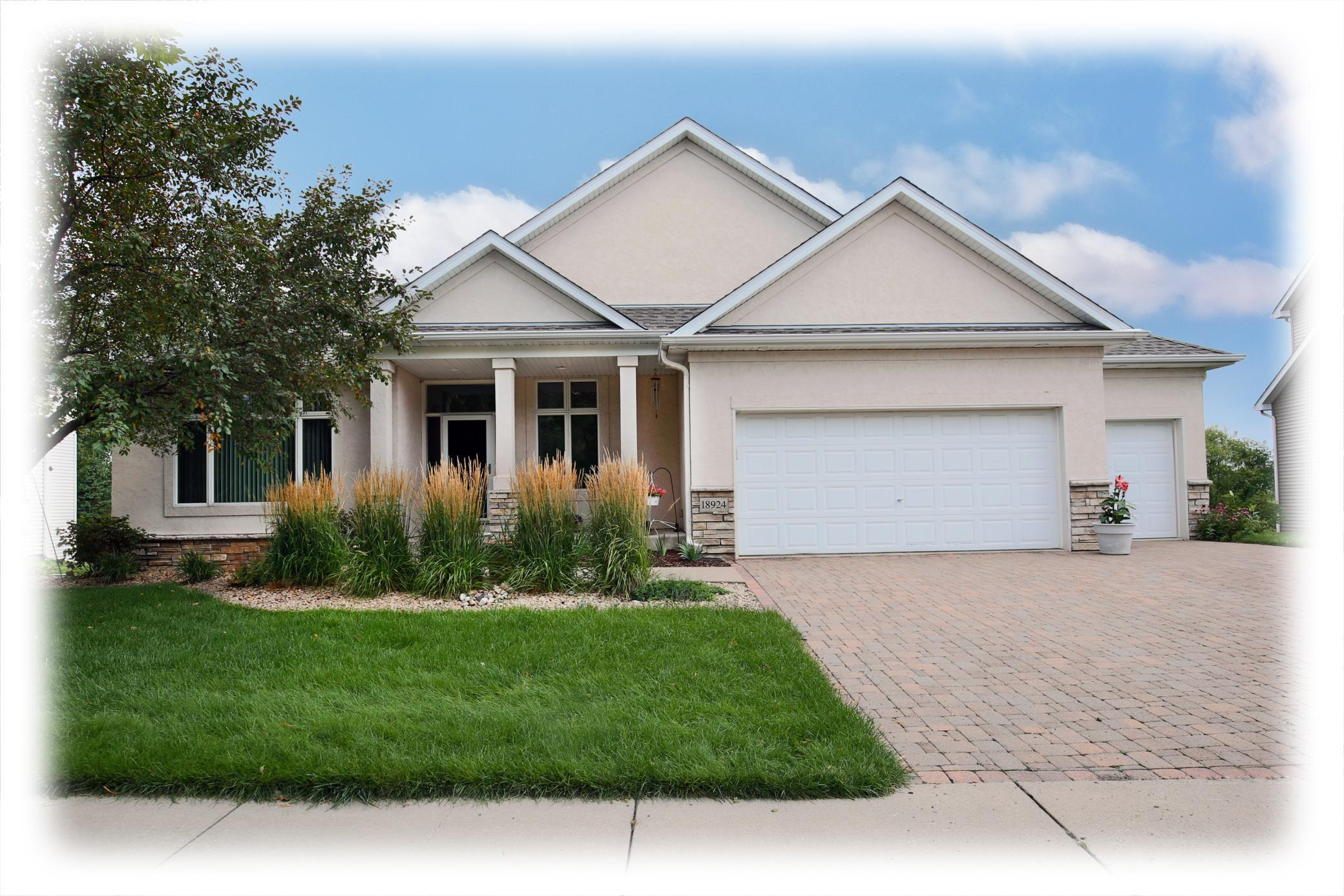 18924 68th Avenue N Property Photo - Maple Grove, MN real estate listing