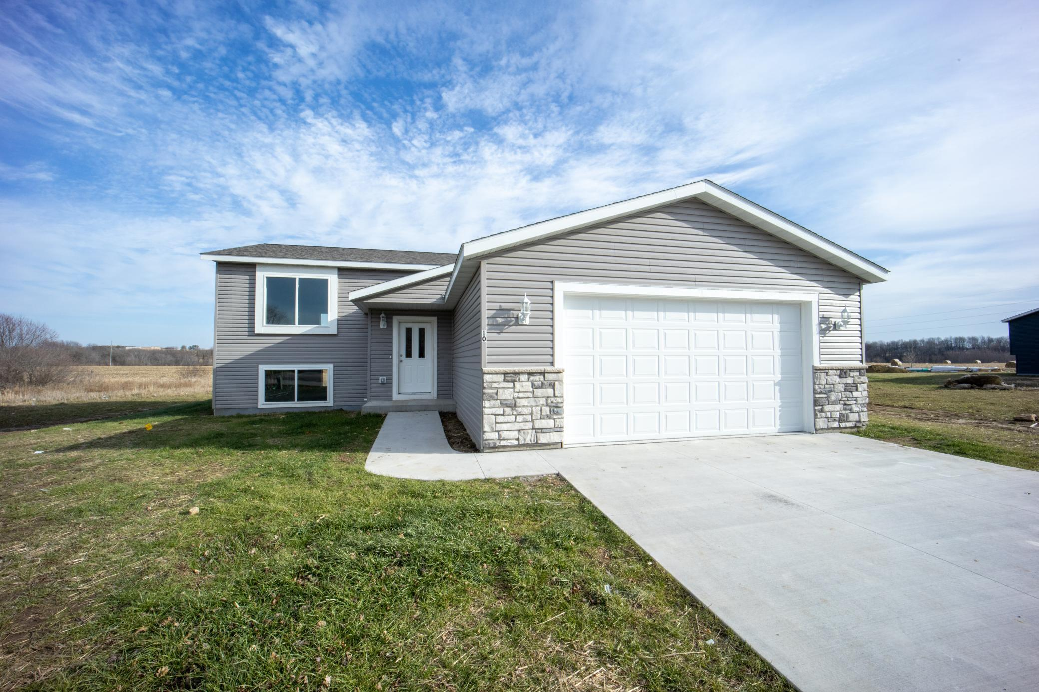 10 6th Avenue SE Property Photo - Elgin, MN real estate listing