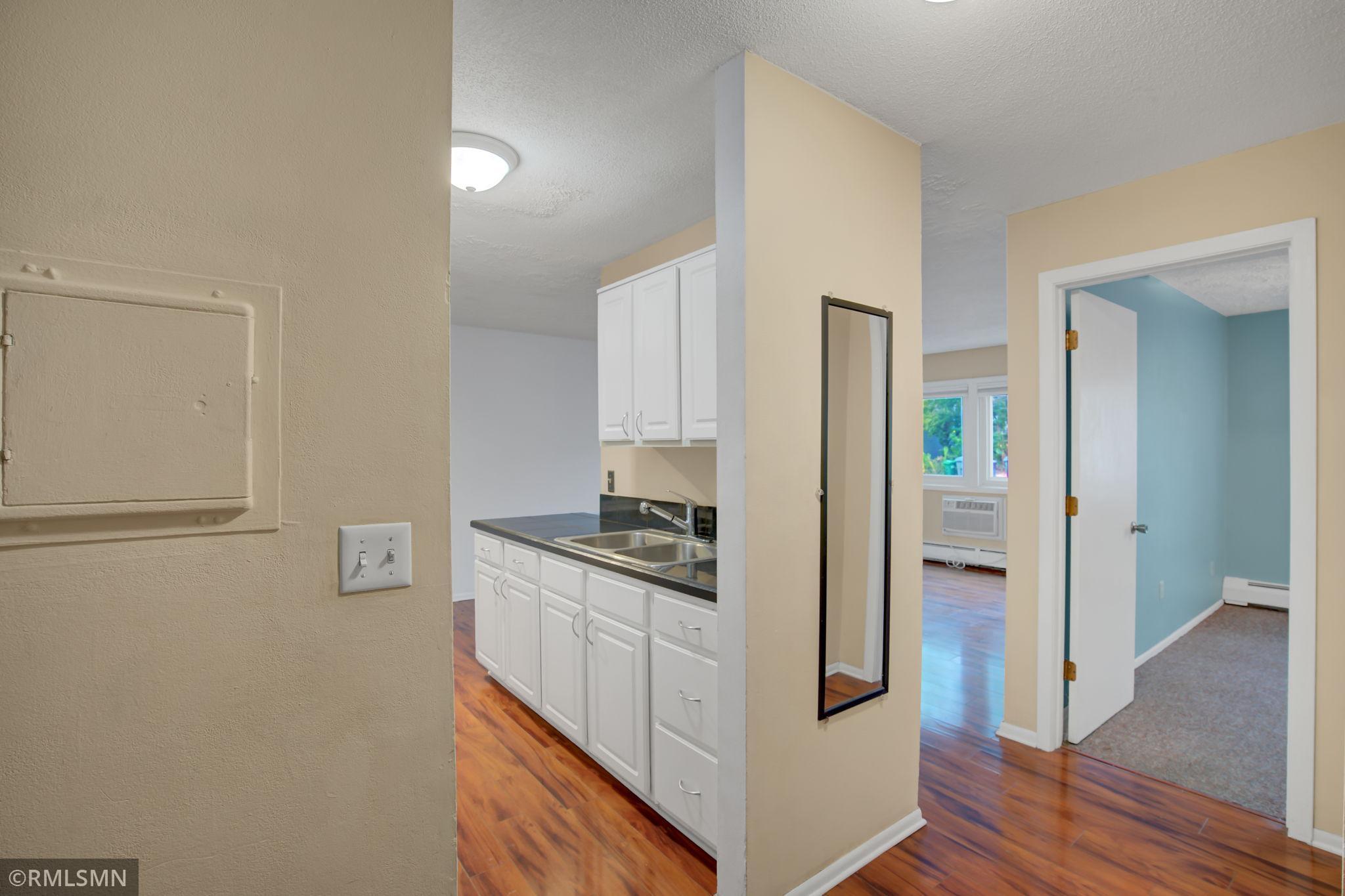 2616 Harriet Avenue #110 Property Photo