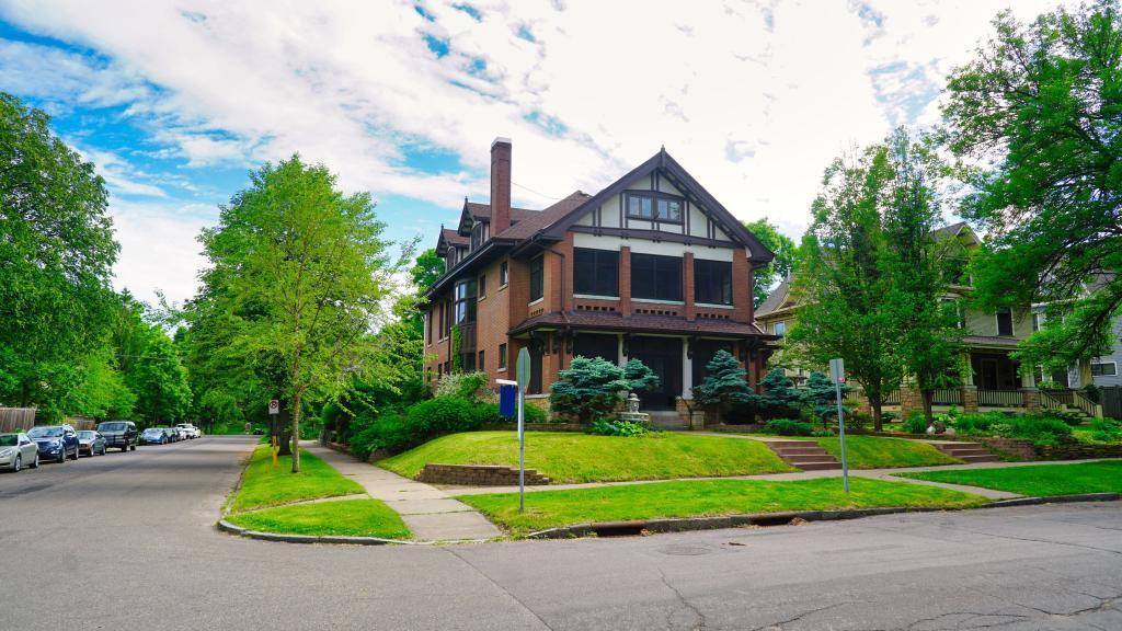 682-684 Lincoln Avenue Property Photo