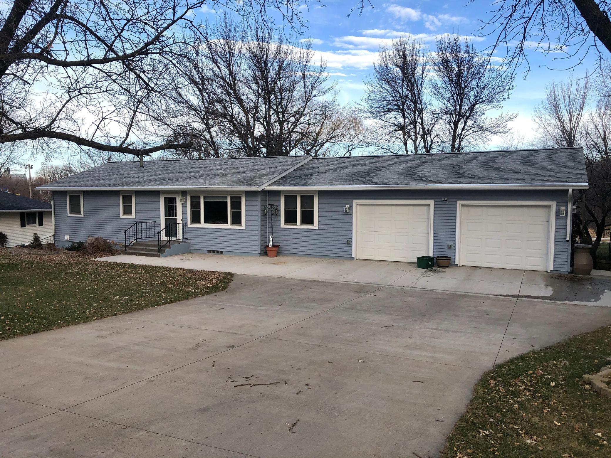 504 E Cottonwood Street Property Photo - Springfield, MN real estate listing