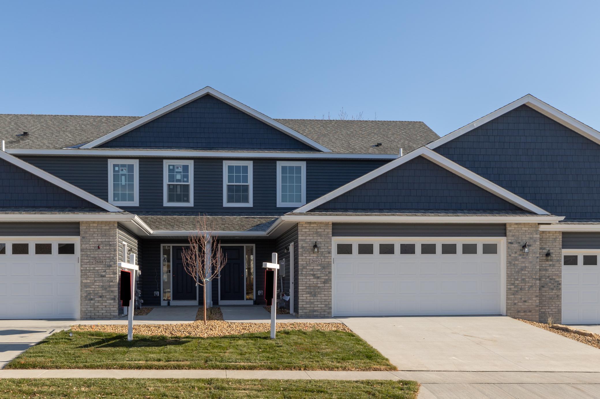 2692 Hawk Ridge Court SE Property Photo - Rochester, MN real estate listing