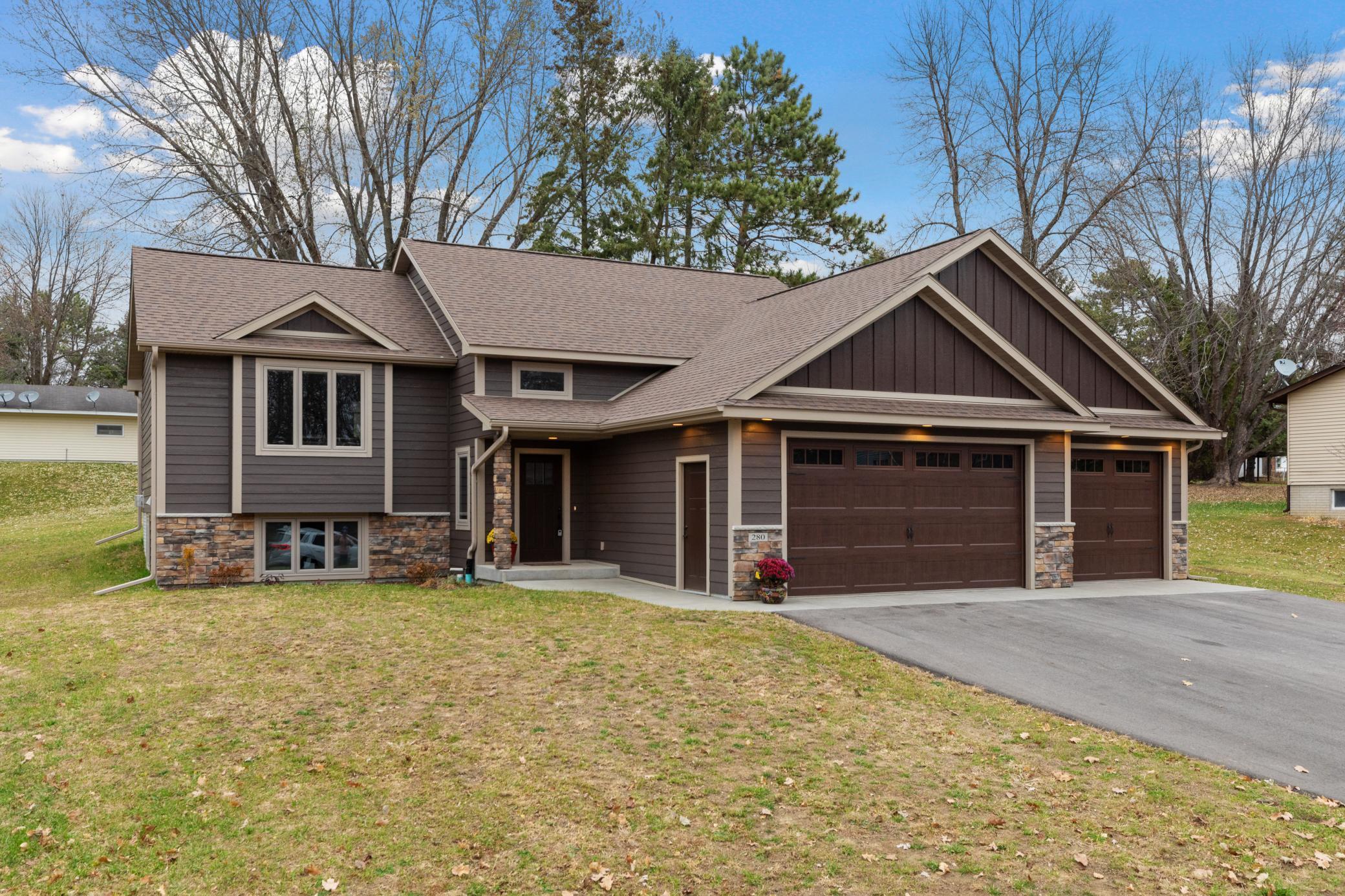280 E Sunset Lane Property Photo - Ellsworth, WI real estate listing