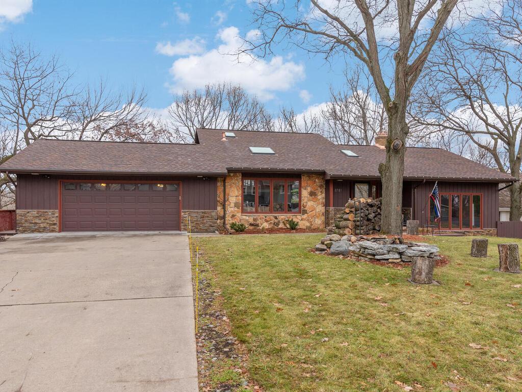 8781 Walton Oaks Drive Property Photo - Bloomington, MN real estate listing