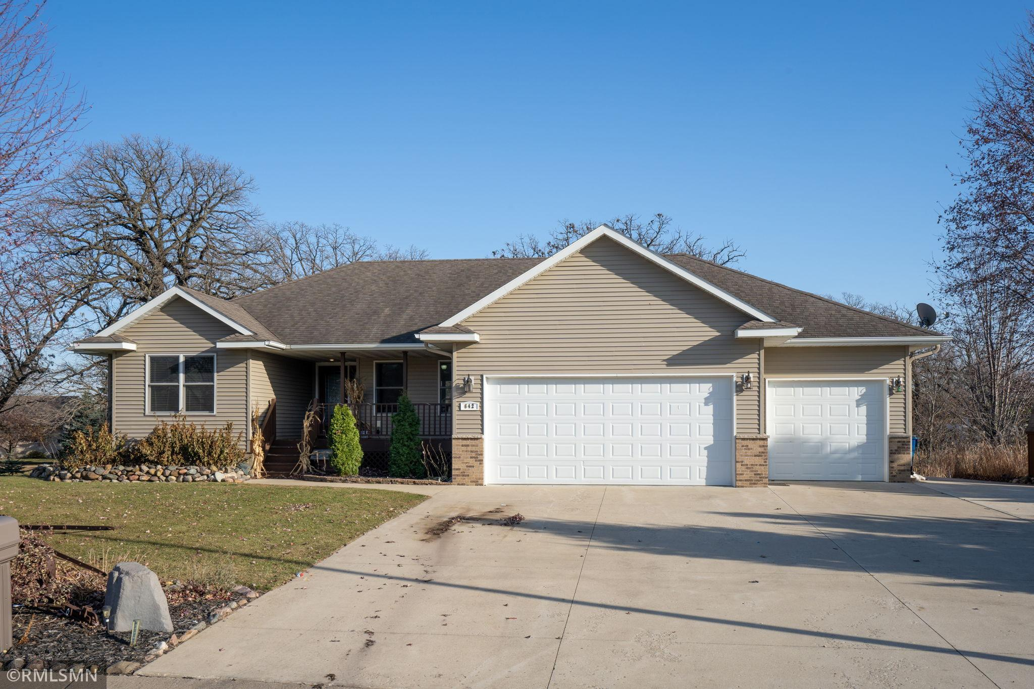 642 Beverly Circle Property Photo - Henderson, MN real estate listing