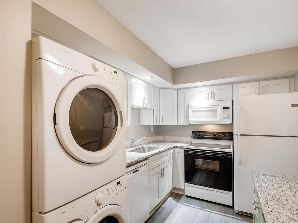 12600 Parkwood Drive #302 Property Photo