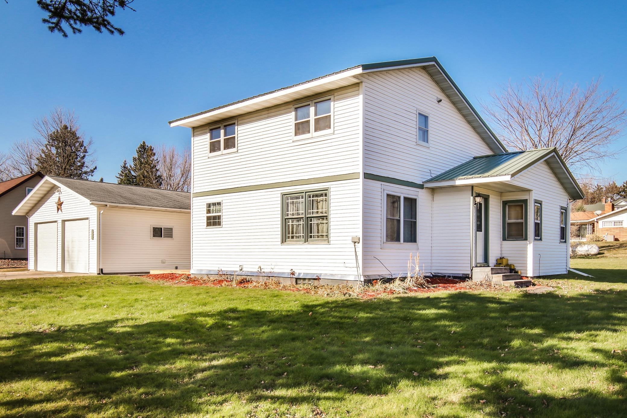 485 E Davlin Street Property Photo - Gilman, WI real estate listing