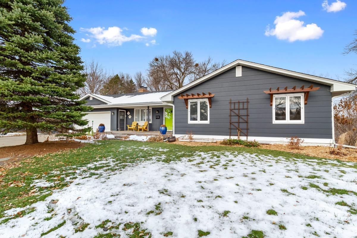 7800 Winnetka Heights Drive Property Photo - Golden Valley, MN real estate listing