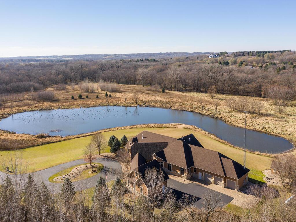 5199 Meadow Crossing Road SW Property Photo - Rochester, MN real estate listing