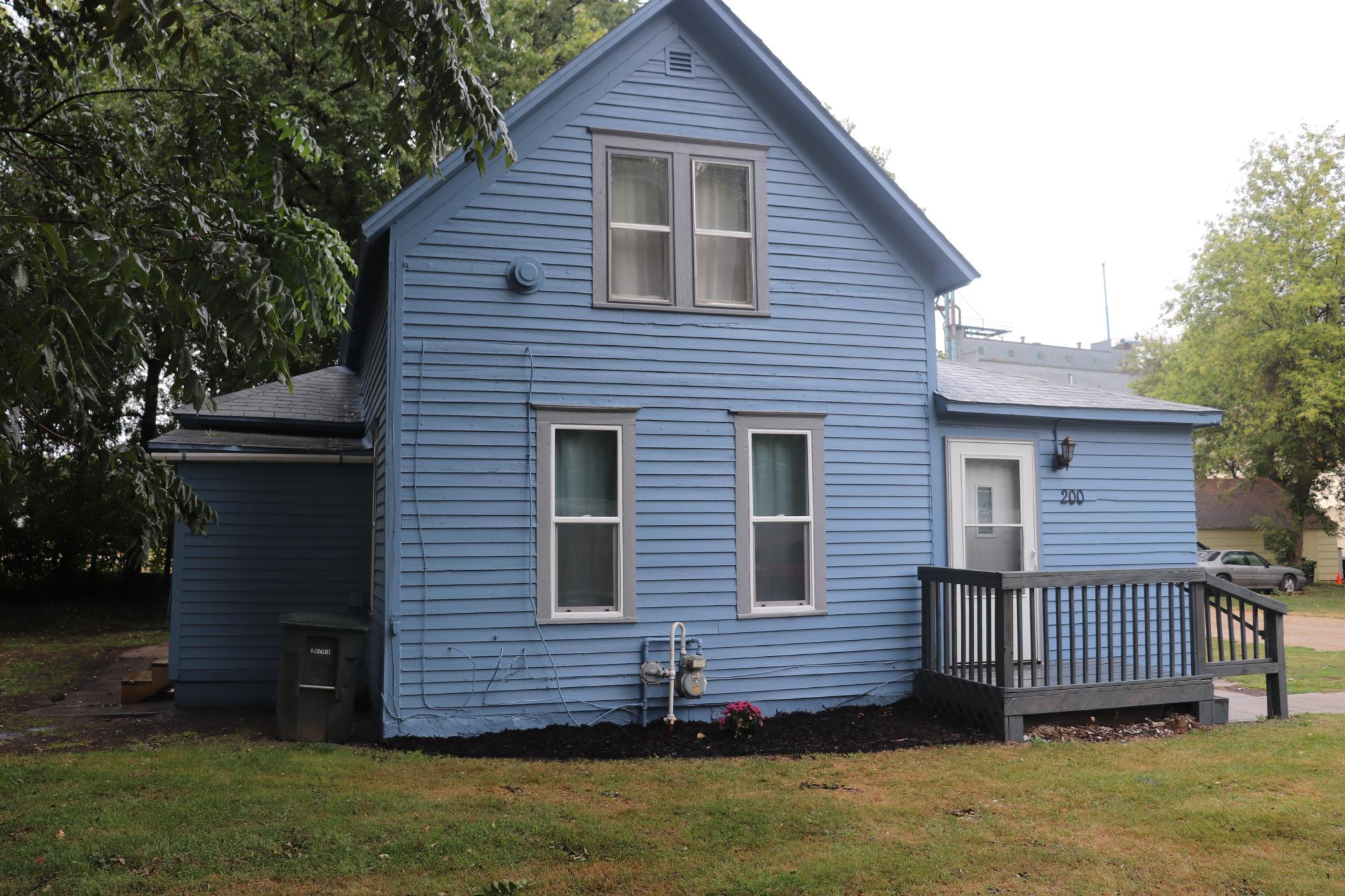 200 W Meade Court Property Photo - Luverne, MN real estate listing