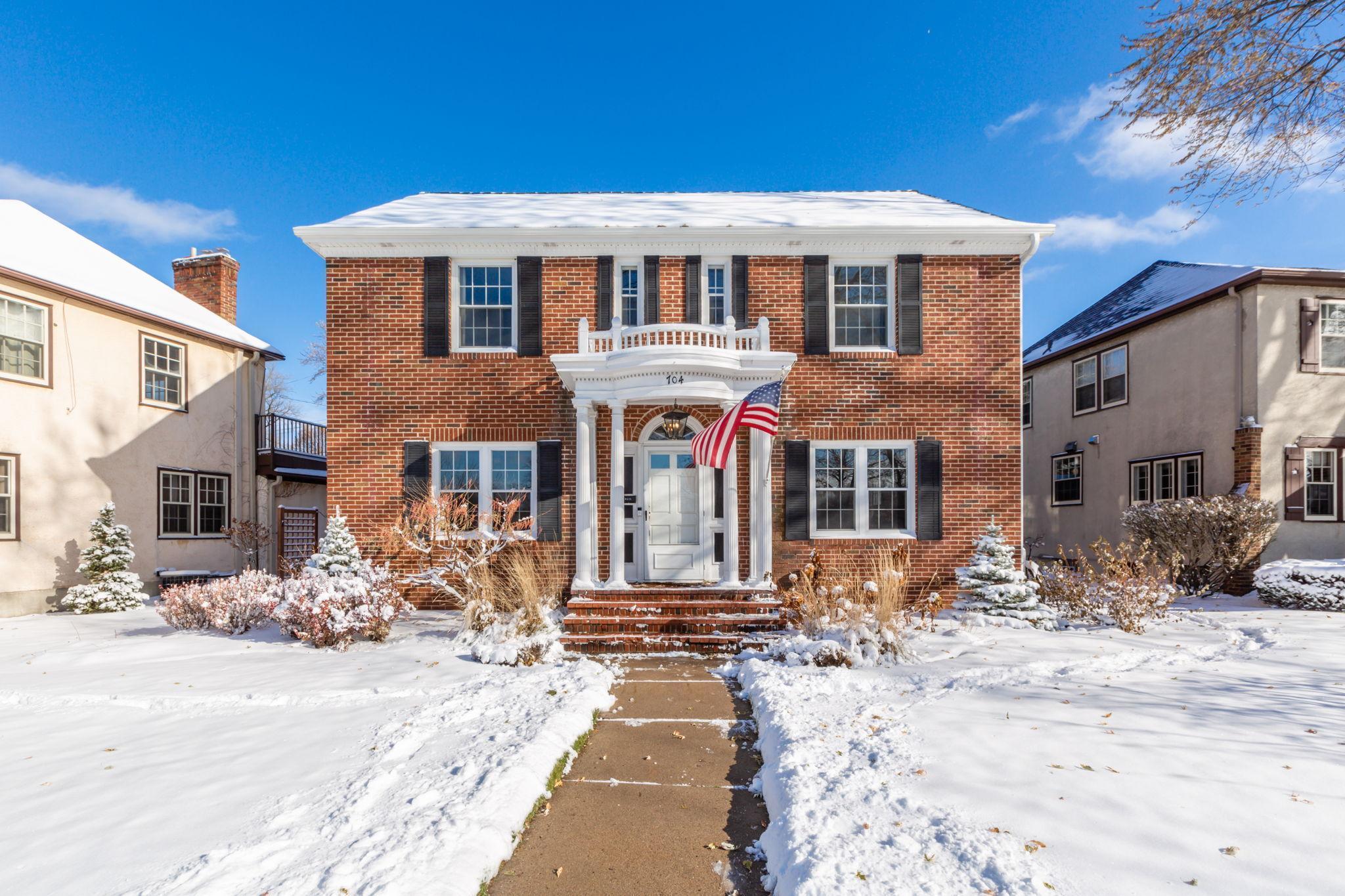 704 E Minnehaha Parkway Property Photo - Minneapolis, MN real estate listing