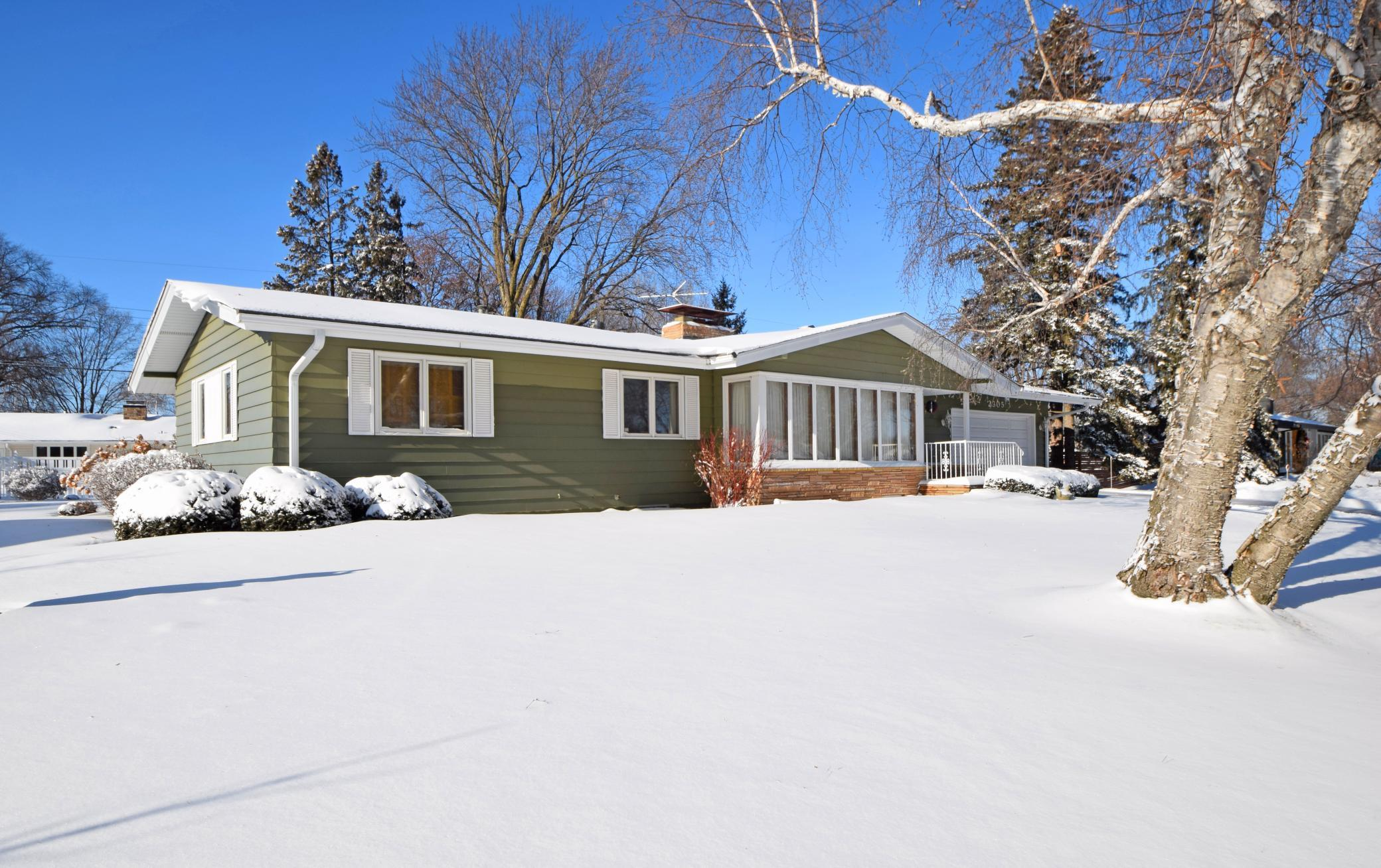 2305 Winfield Avenue Property Photo - Golden Valley, MN real estate listing