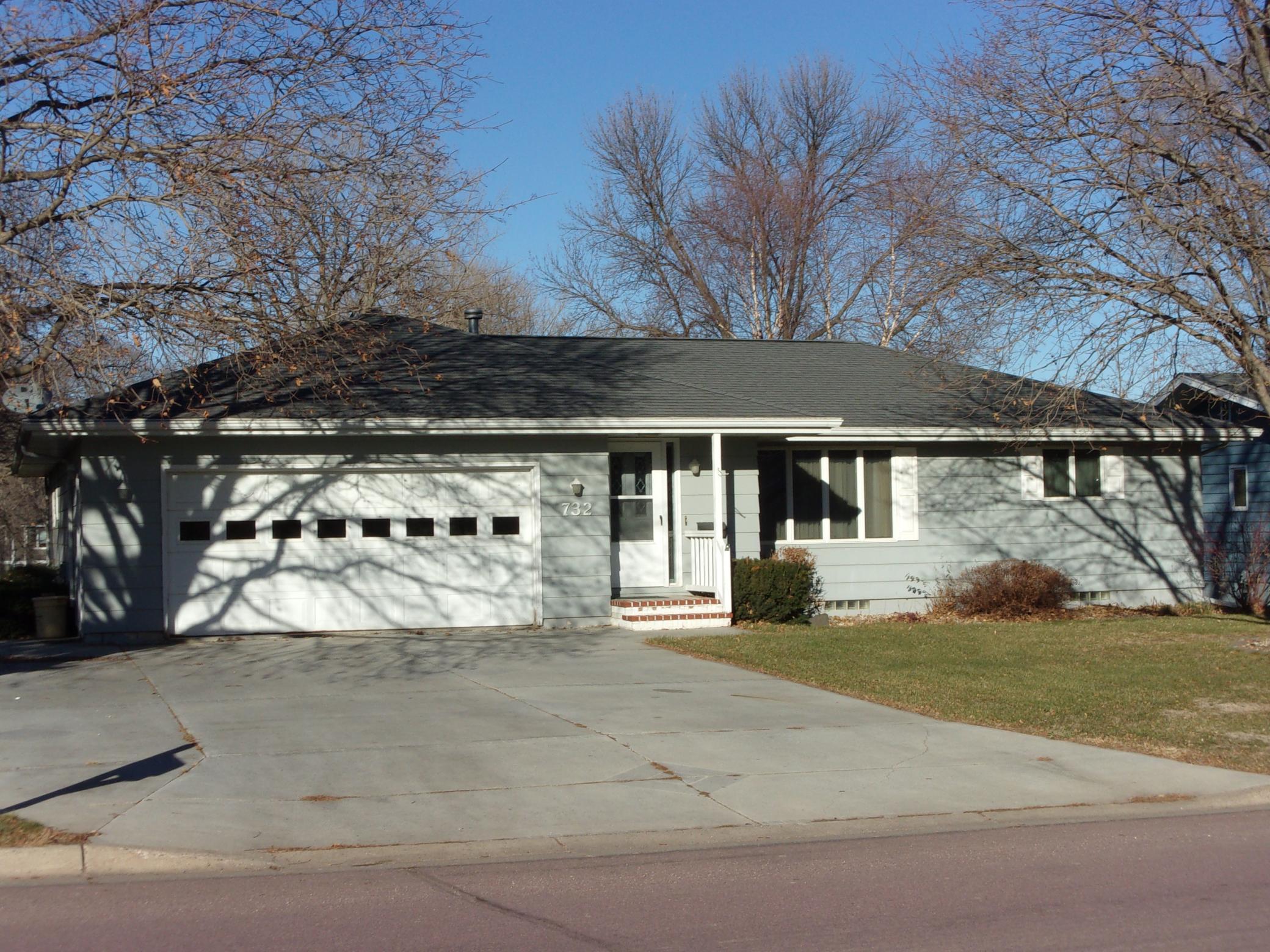 732 Woodland Avenue Property Photo - Fairmont, MN real estate listing