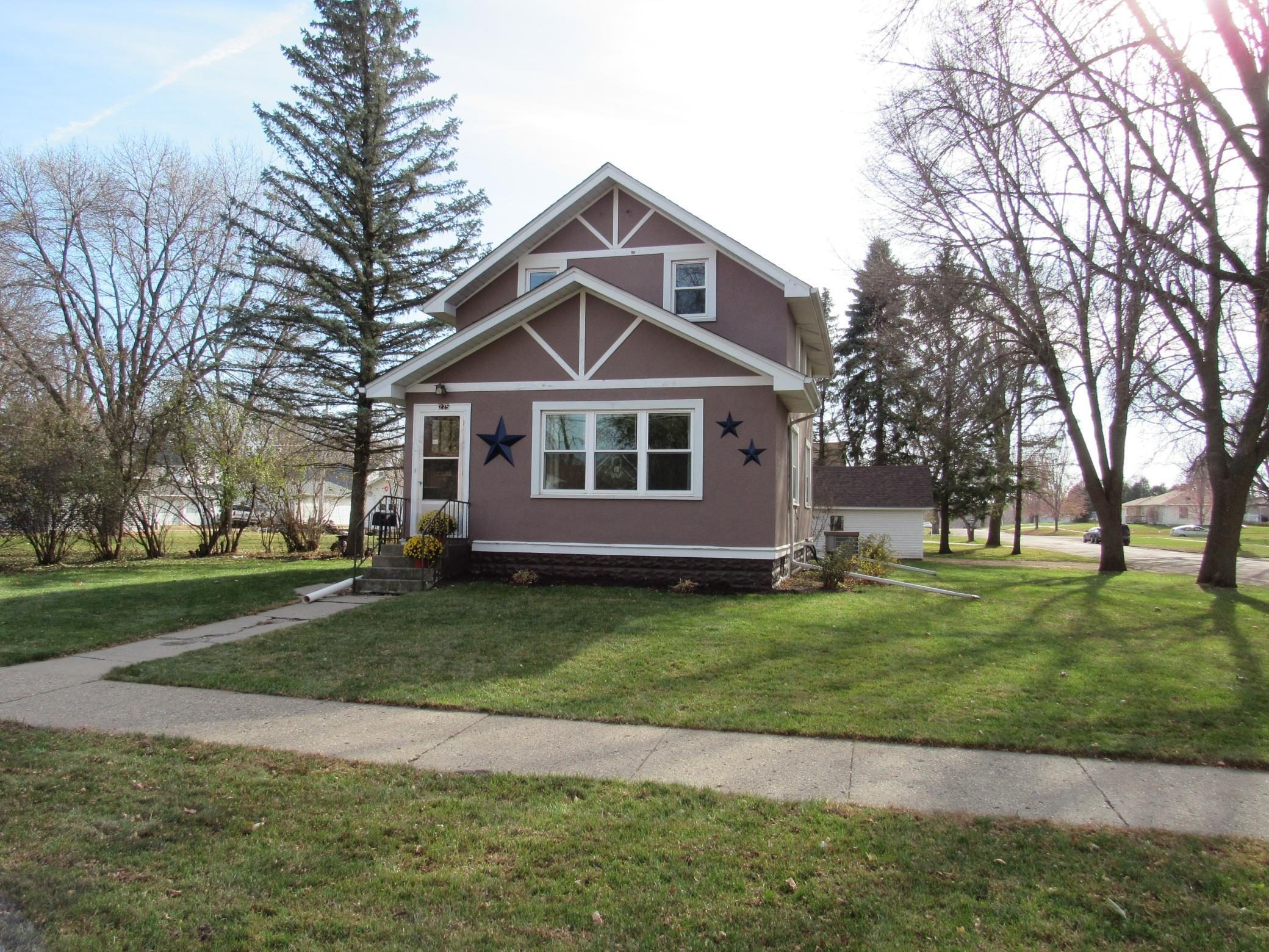 225 W 8th Street Property Photo - Blue Earth, MN real estate listing