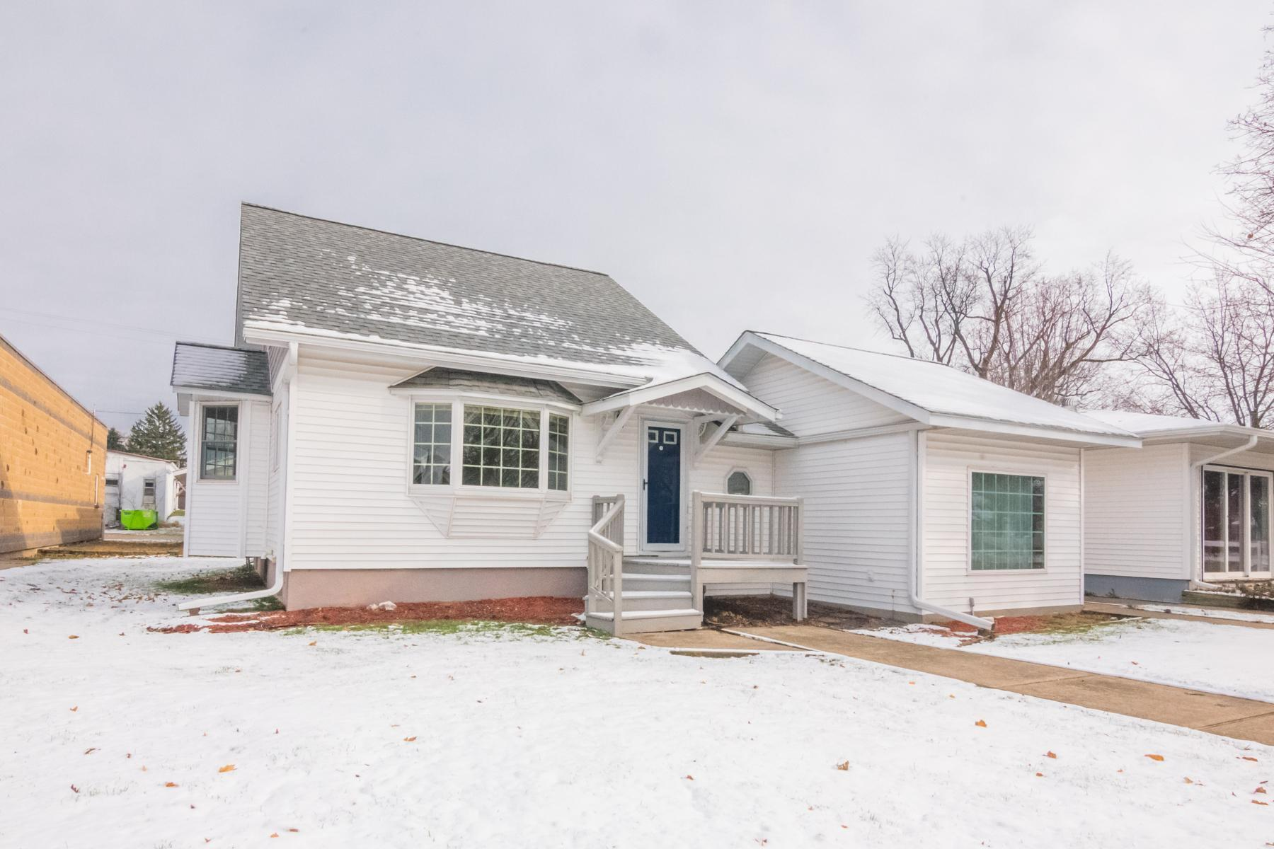 321 4th Street Property Photo - Clear Lake Twp, WI real estate listing