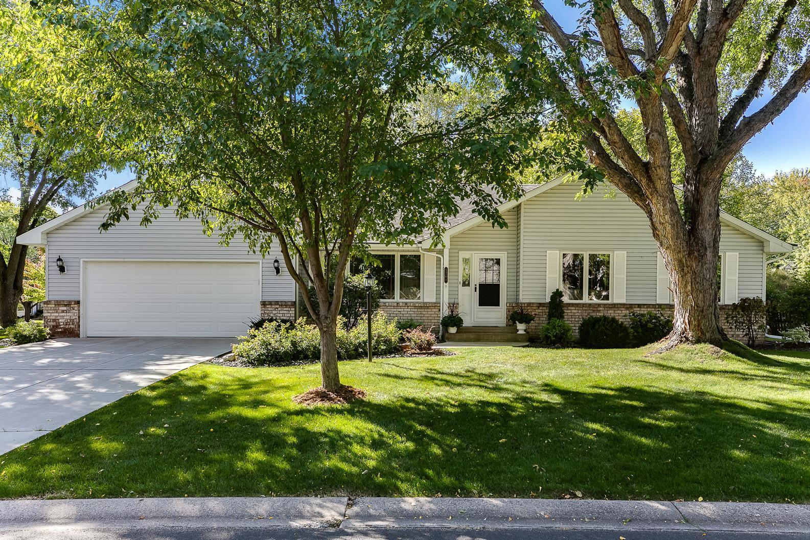 5701 W 99th Street Property Photo - Bloomington, MN real estate listing
