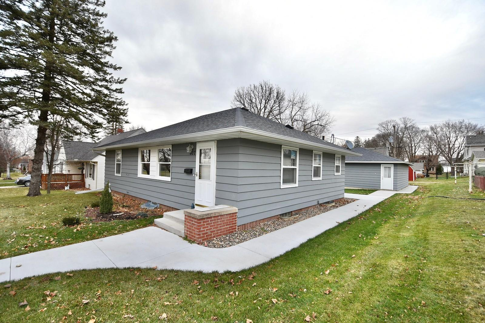 607 Spring Street Property Photo - Kenyon, MN real estate listing