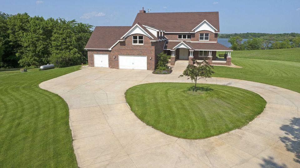 5690 60th Street SW Property Photo - Waverly, MN real estate listing