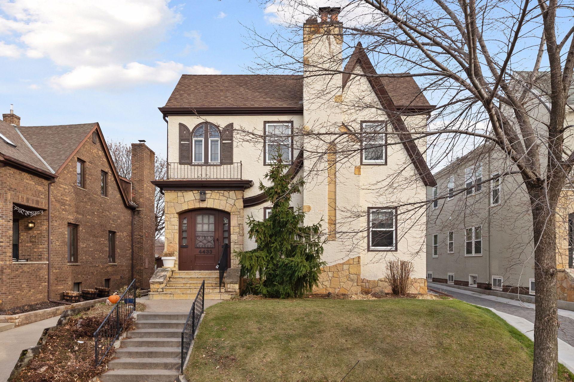 4433 Vincent Avenue S Property Photo