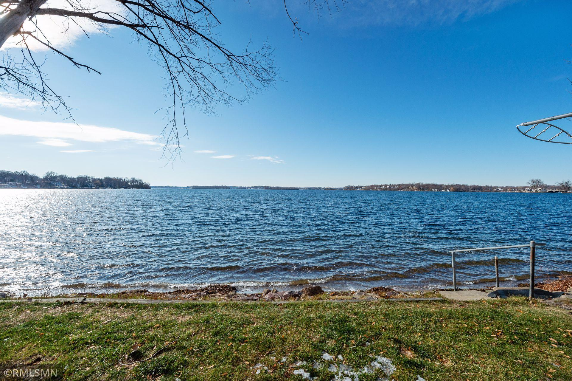 3905 Shoreline Drive Property Photo - Orono, MN real estate listing