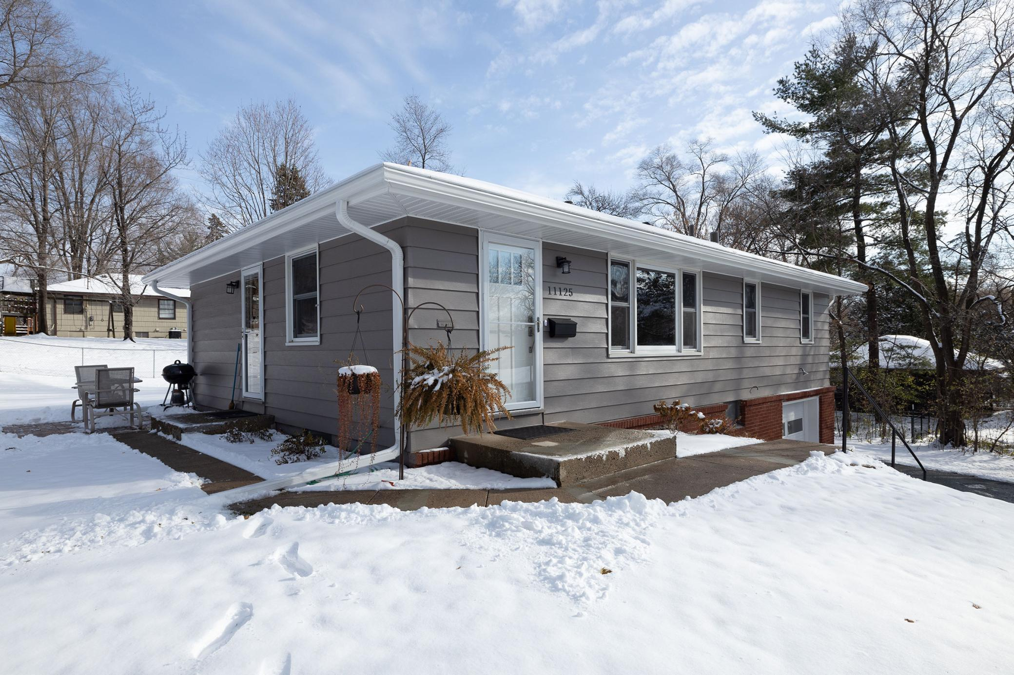 11125 France Avenue S Property Photo - Bloomington, MN real estate listing