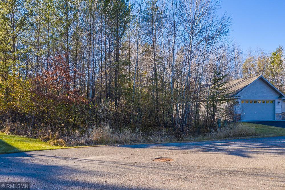 L8, B1 Meadow Court Property Photo